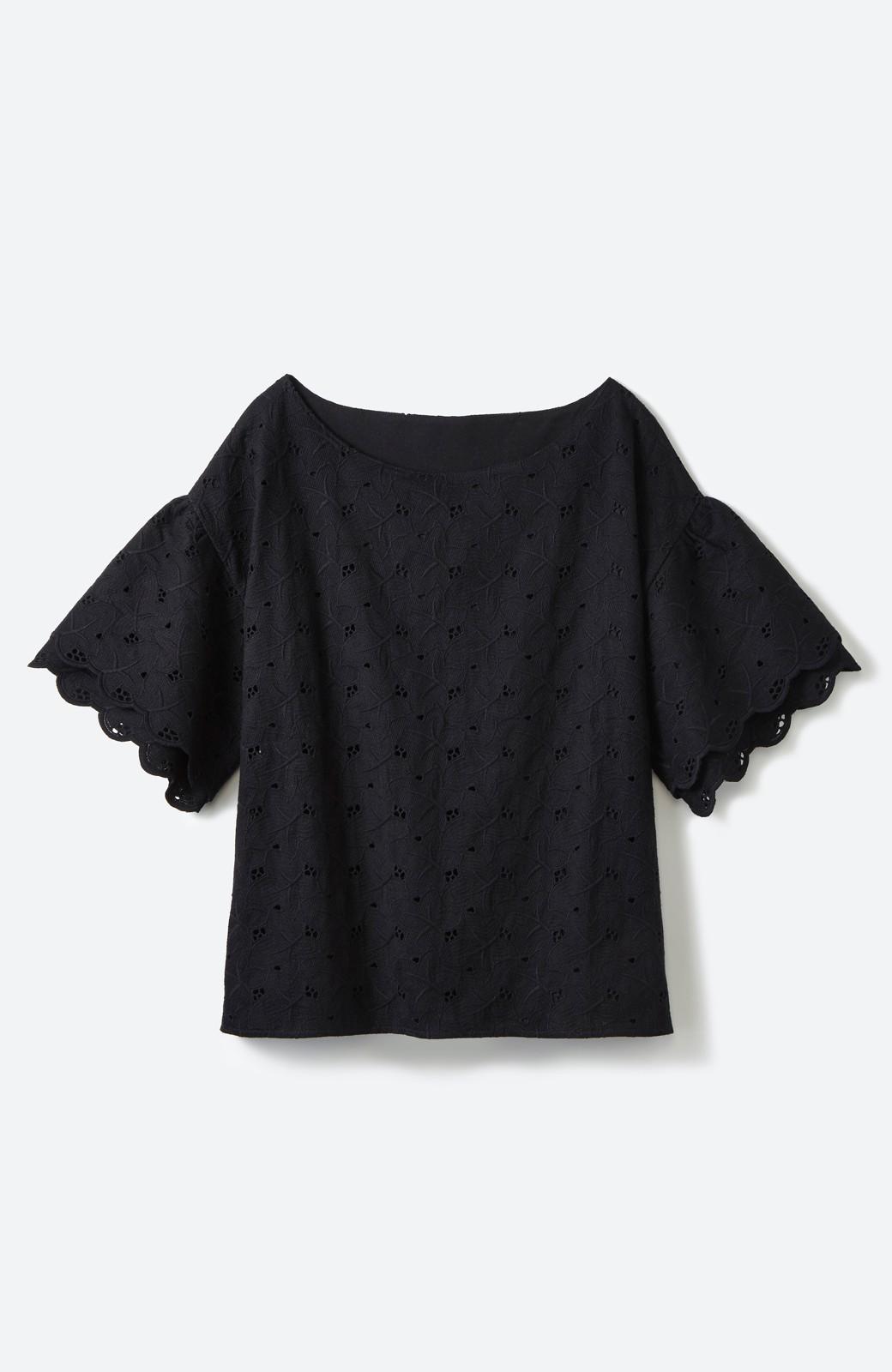 エムトロワ Tシャツ感覚で着られる フラワーレースのティアードスリーブトップス <ブラック>の商品写真2
