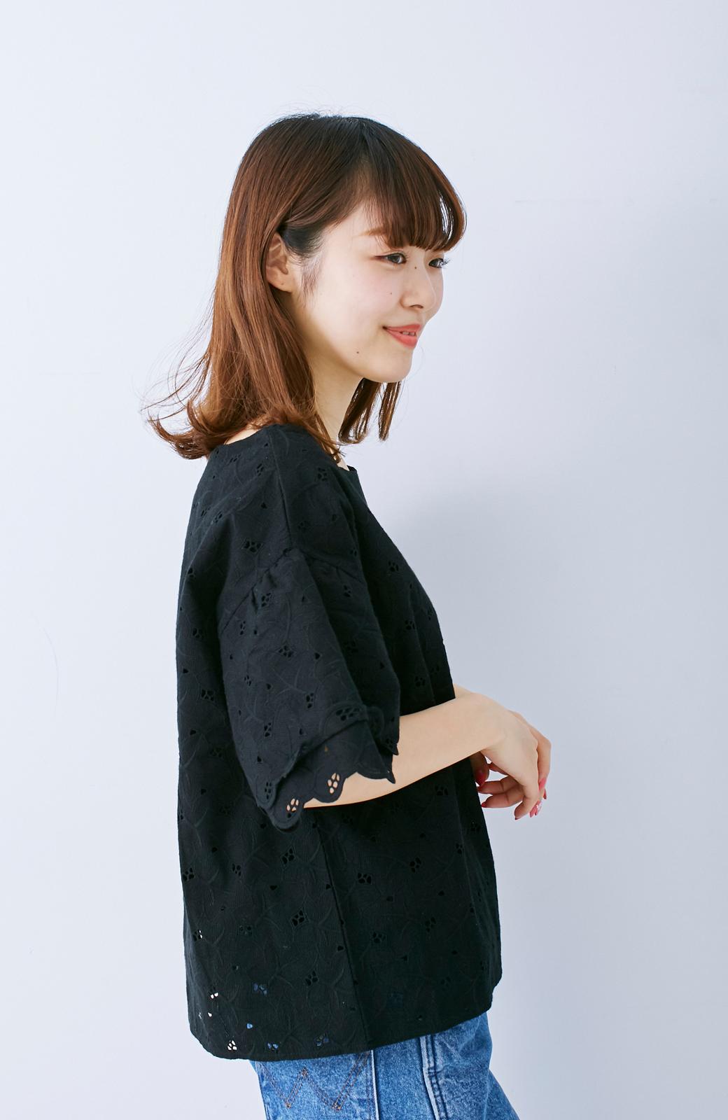 エムトロワ Tシャツ感覚で着られる フラワーレースのティアードスリーブトップス <ブラック>の商品写真8