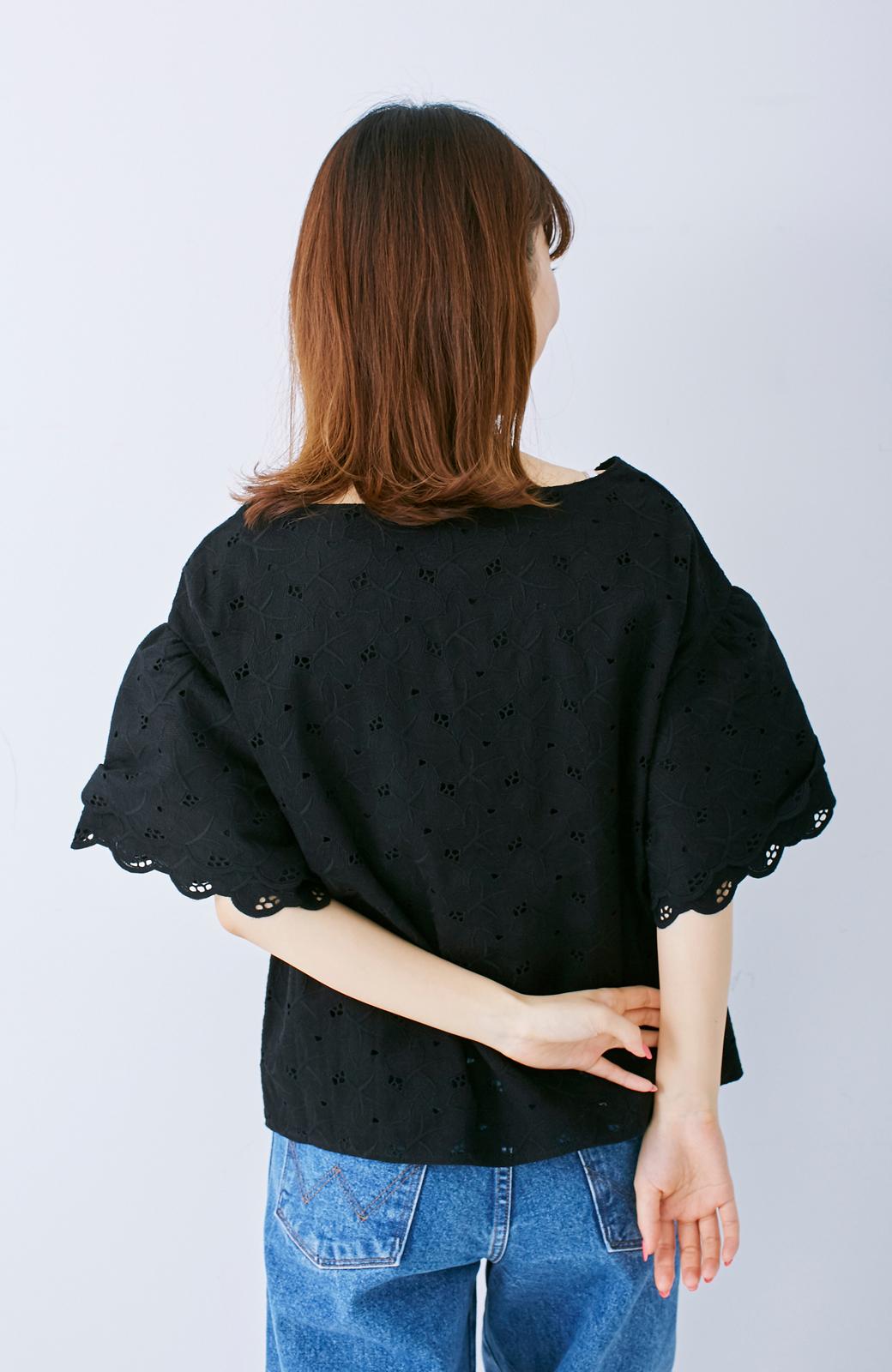 エムトロワ Tシャツ感覚で着られる フラワーレースのティアードスリーブトップス <ブラック>の商品写真9