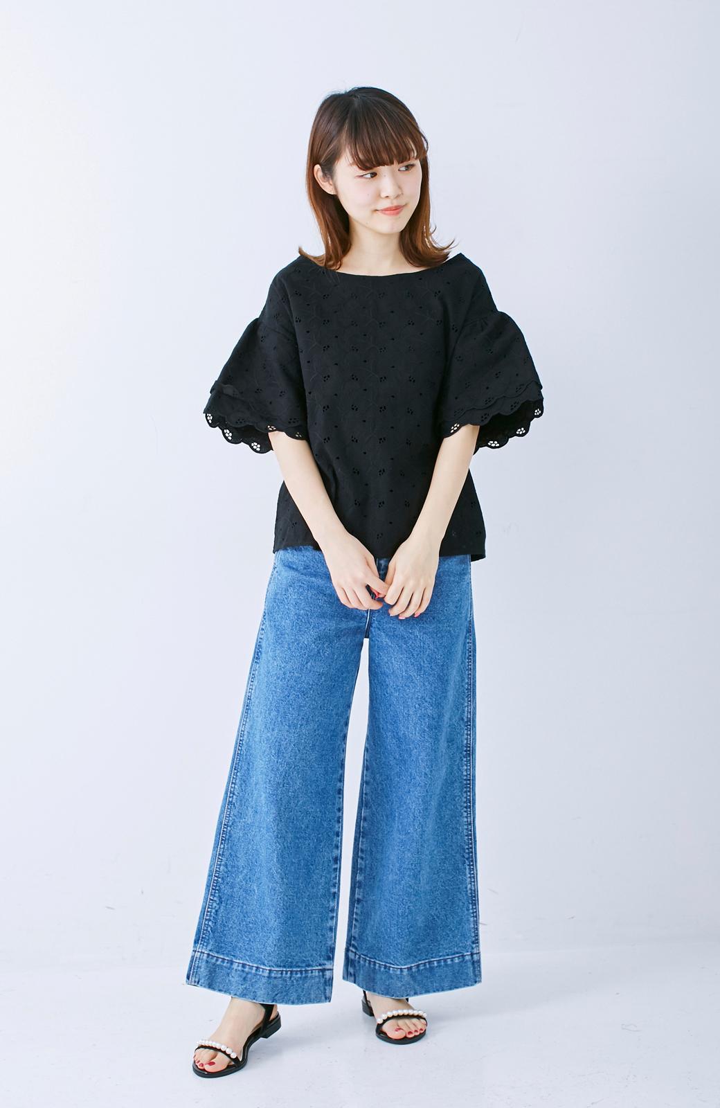 エムトロワ Tシャツ感覚で着られる フラワーレースのティアードスリーブトップス <ブラック>の商品写真5