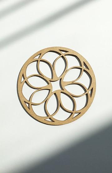 haco! MADE IN リトアニア 切り絵みたいな木製コースター circle lace <ベージュ>の商品写真