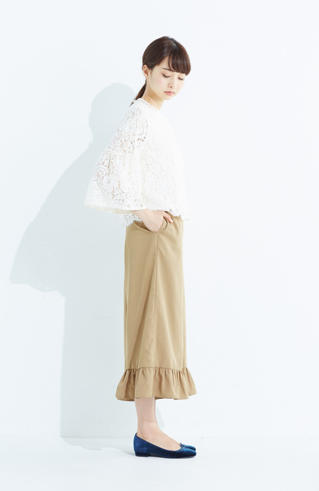 haco! スカート気分で楽しめる 華やかフレアーパンツ <ベージュ>の商品写真10