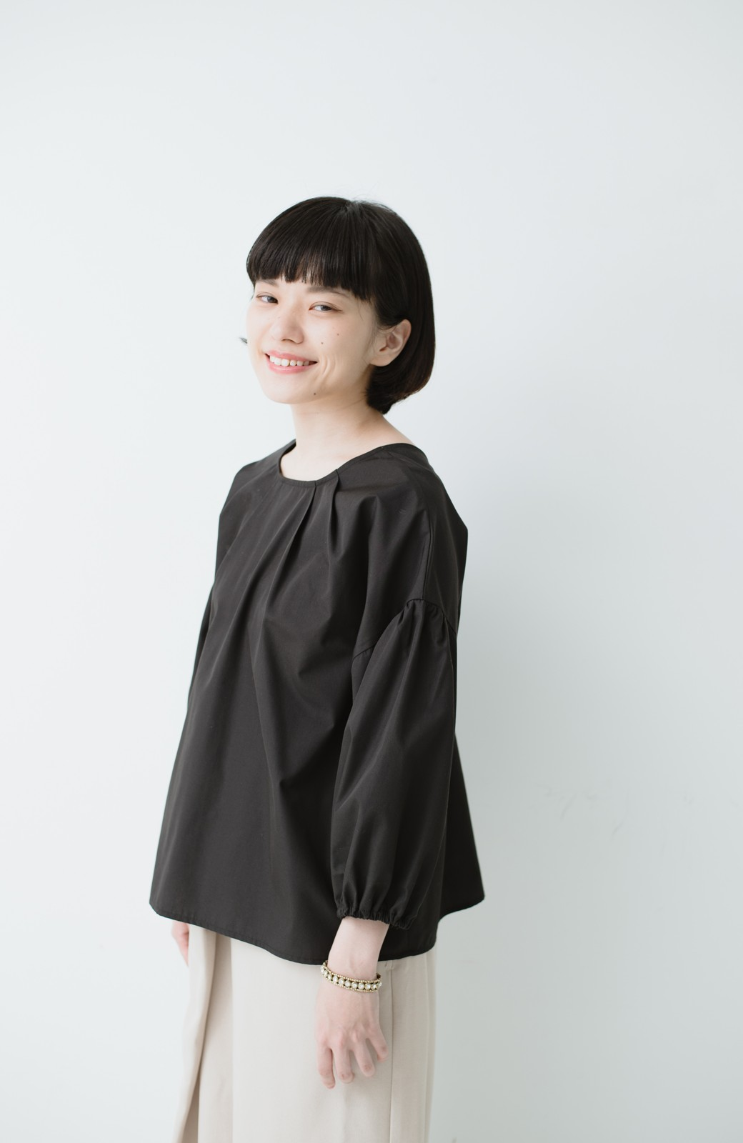 haco! うしろまえ着られるぽんわり袖ブラウス <ブラック>の商品写真11