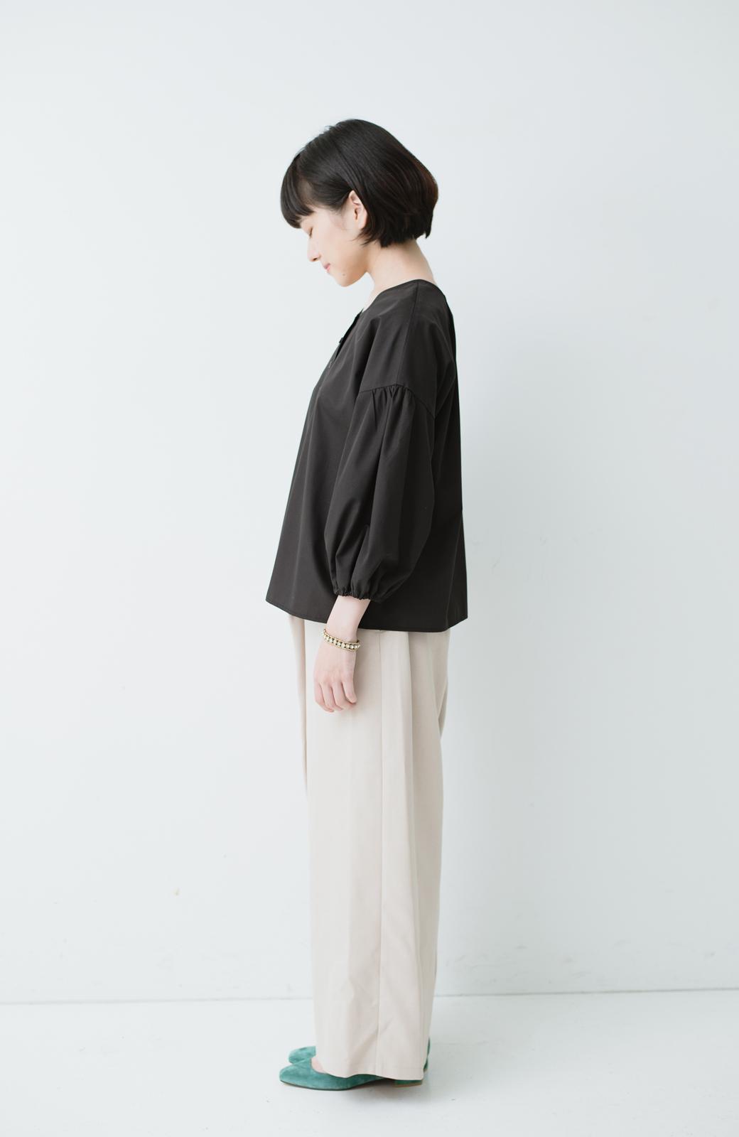 haco! うしろまえ着られるぽんわり袖ブラウス <ブラック>の商品写真5