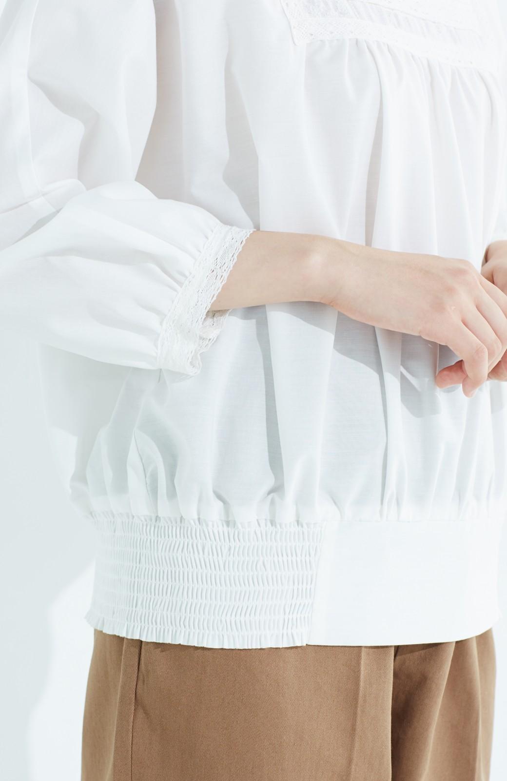 haco! 華やかなのに着まわしやすい レース&刺しゅうブラウス <ホワイト>の商品写真5