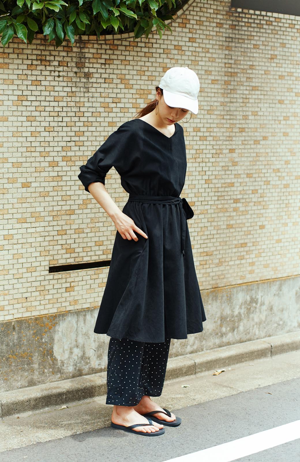 haco! 着るだけで女っぽく見える&後ろ前どちらも着られる ウエストリボンワンピース <ブラック>の商品写真4