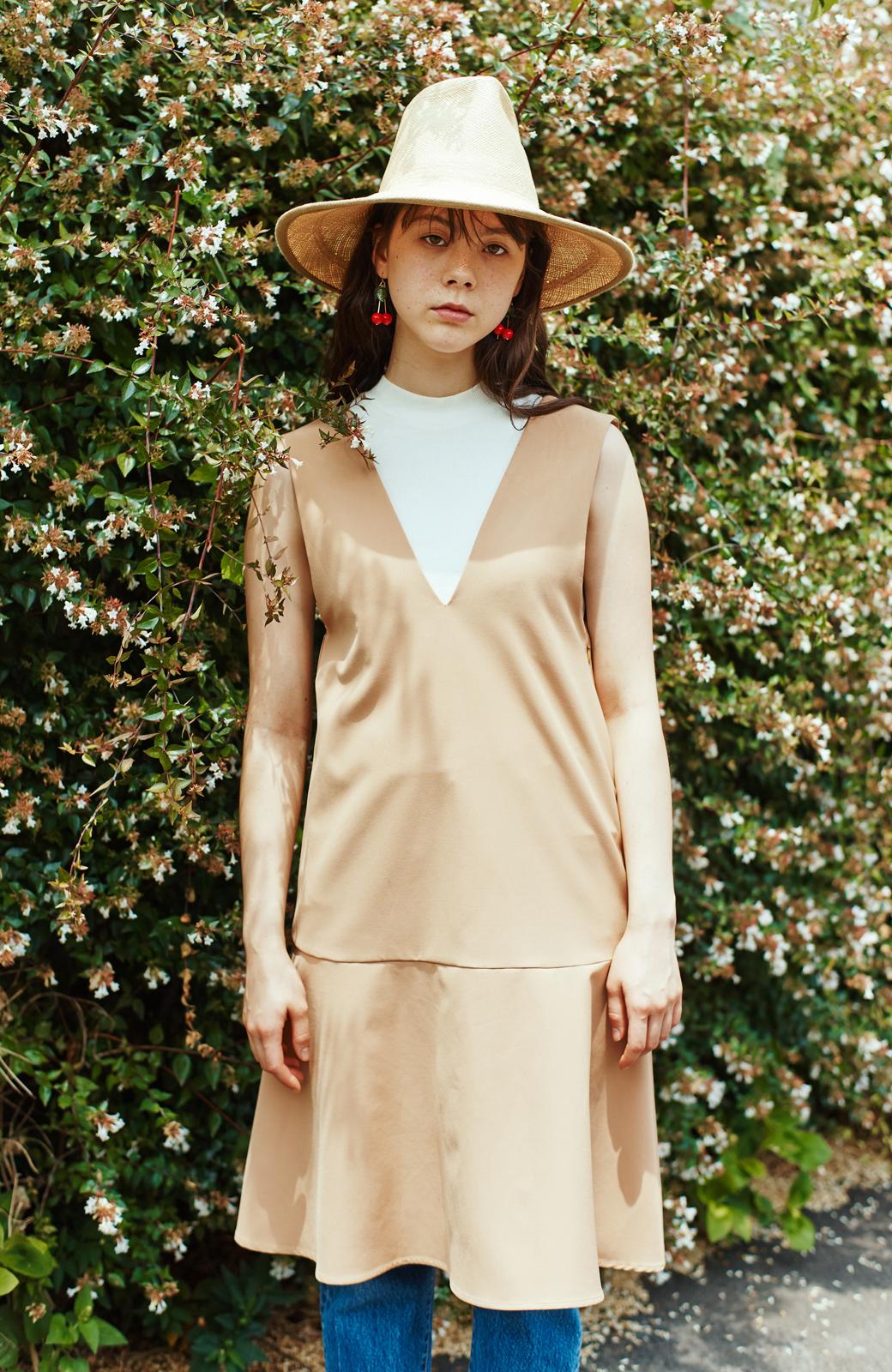 haco! パッと着て今気分&長い季節着られる すそフレアージャンパースカート <ベージュ>の商品写真2