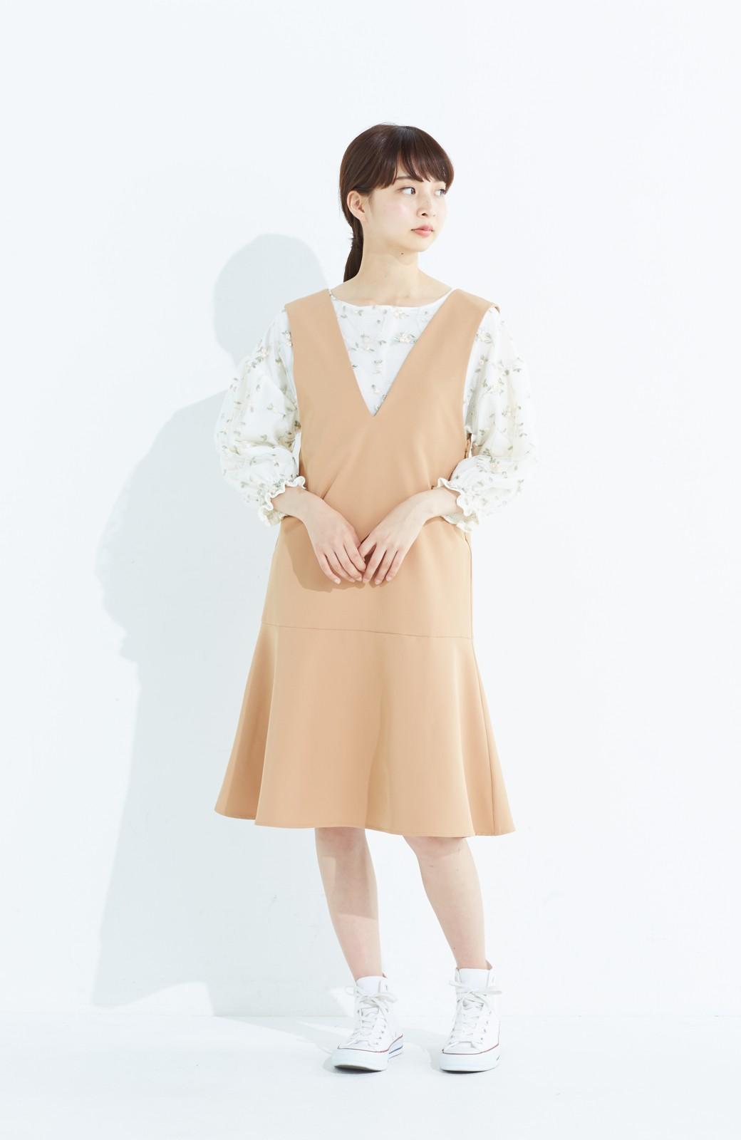 haco! パッと着て今気分&長い季節着られる すそフレアージャンパースカート <ベージュ>の商品写真9
