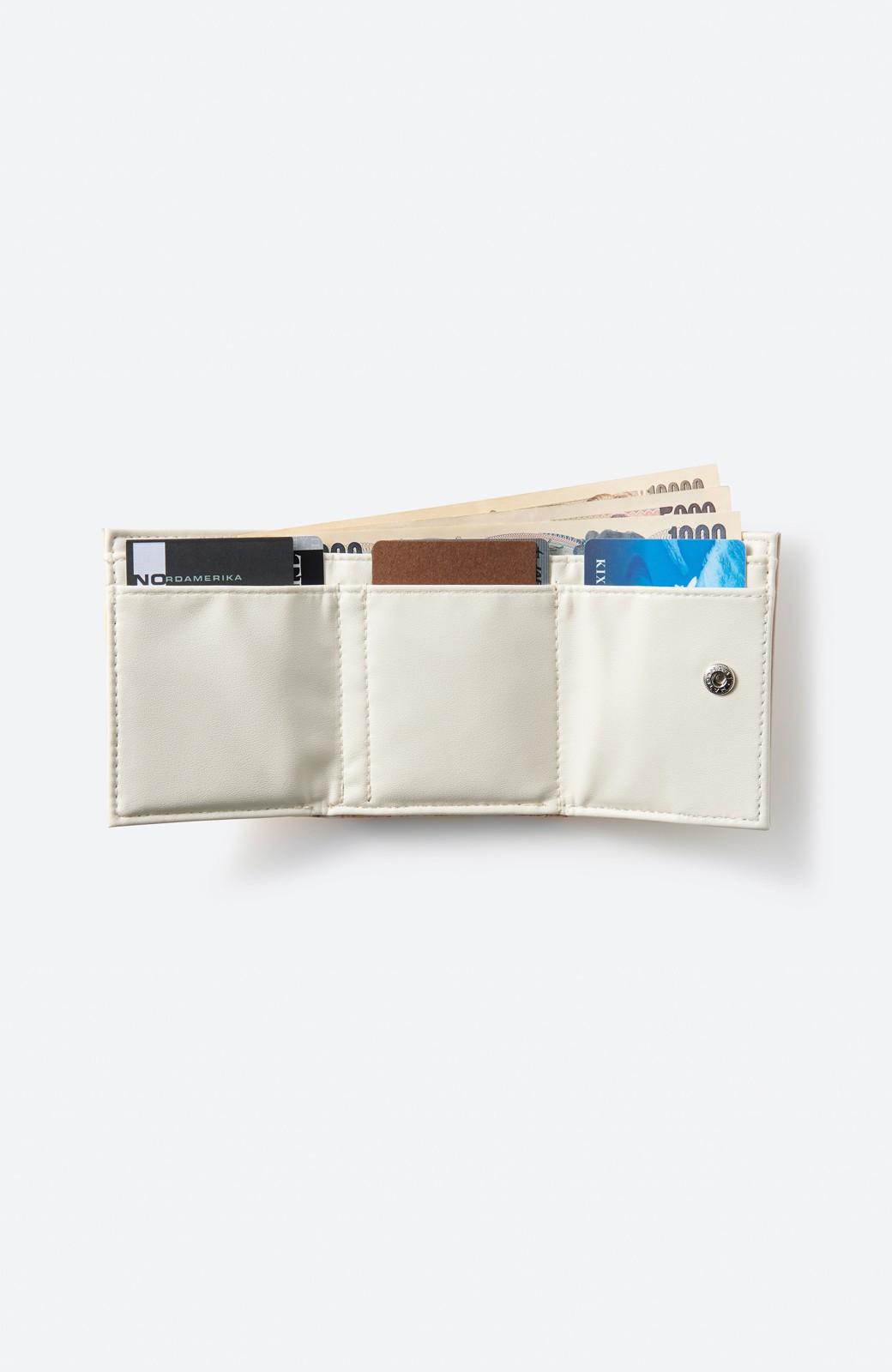 haco! UNICOLART MIYAMOTO KENSHIRO [華/黄色]小物にこそ柄を取り入れたい! がばっと開いて小銭も取り出しやすい手のひら財布 <イエロー系その他>の商品写真2