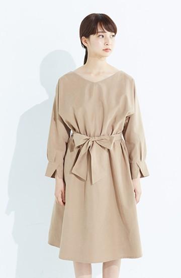haco! 着るだけで女っぽく見える&後ろ前どちらも着られる ウエストリボンワンピース <ベージュ>の商品写真