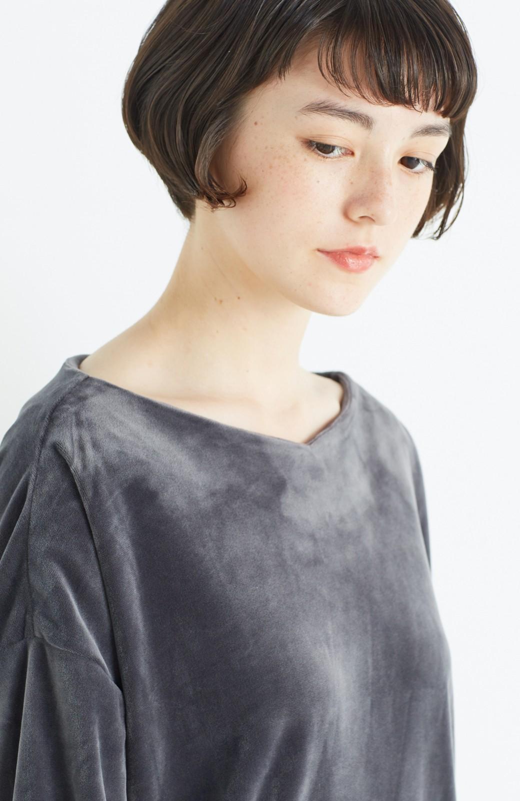 haco! 気軽に今っぽ女っぽ 便利なベロアトップス <グレー>の商品写真11