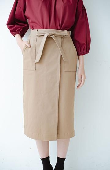 haco! パッと着るだけで女らしくてかっこいい ラップ風ストレッチスカート by que made me <ベージュ>の商品写真