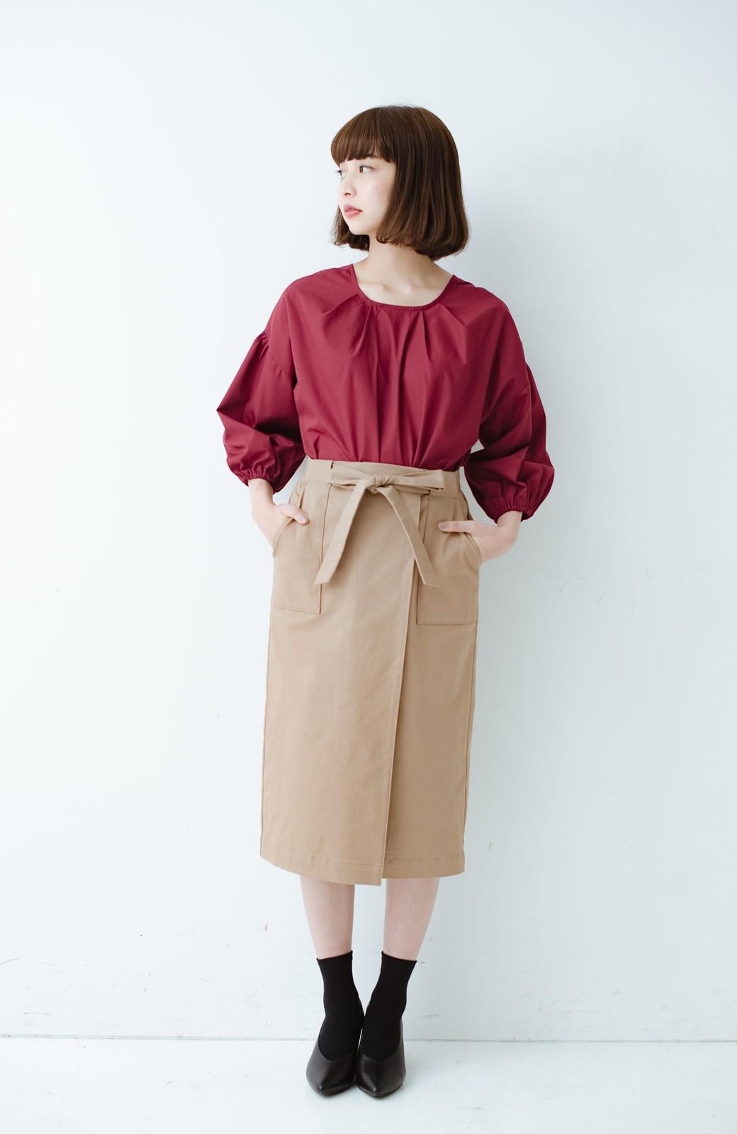 haco! パッと着るだけで女らしくてかっこいい ラップ風ストレッチスカート by que made me <ベージュ>の商品写真7
