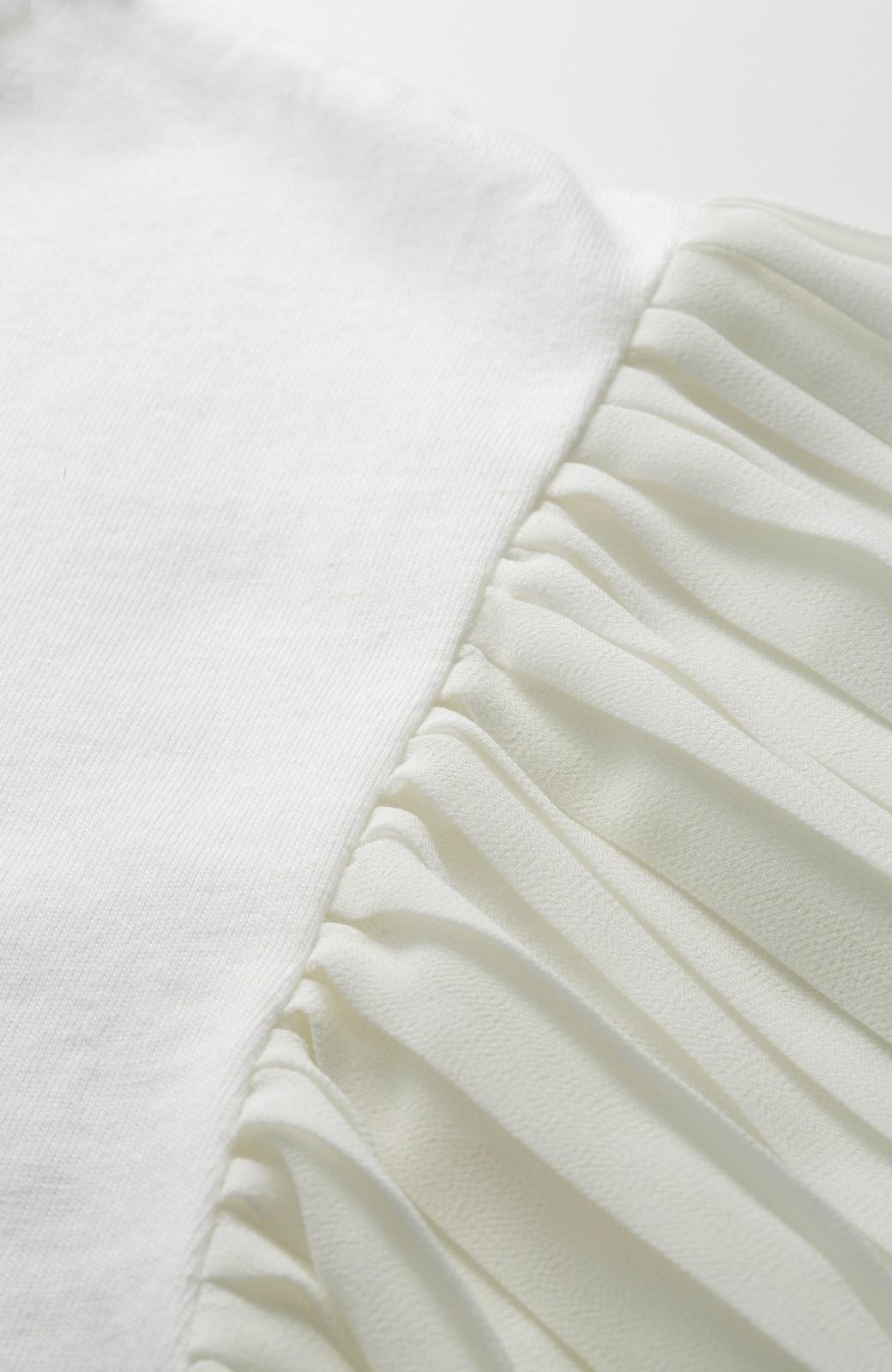 エムトロワ ふわりと揺れるプリーツ袖トップス <アイボリー>の商品写真4