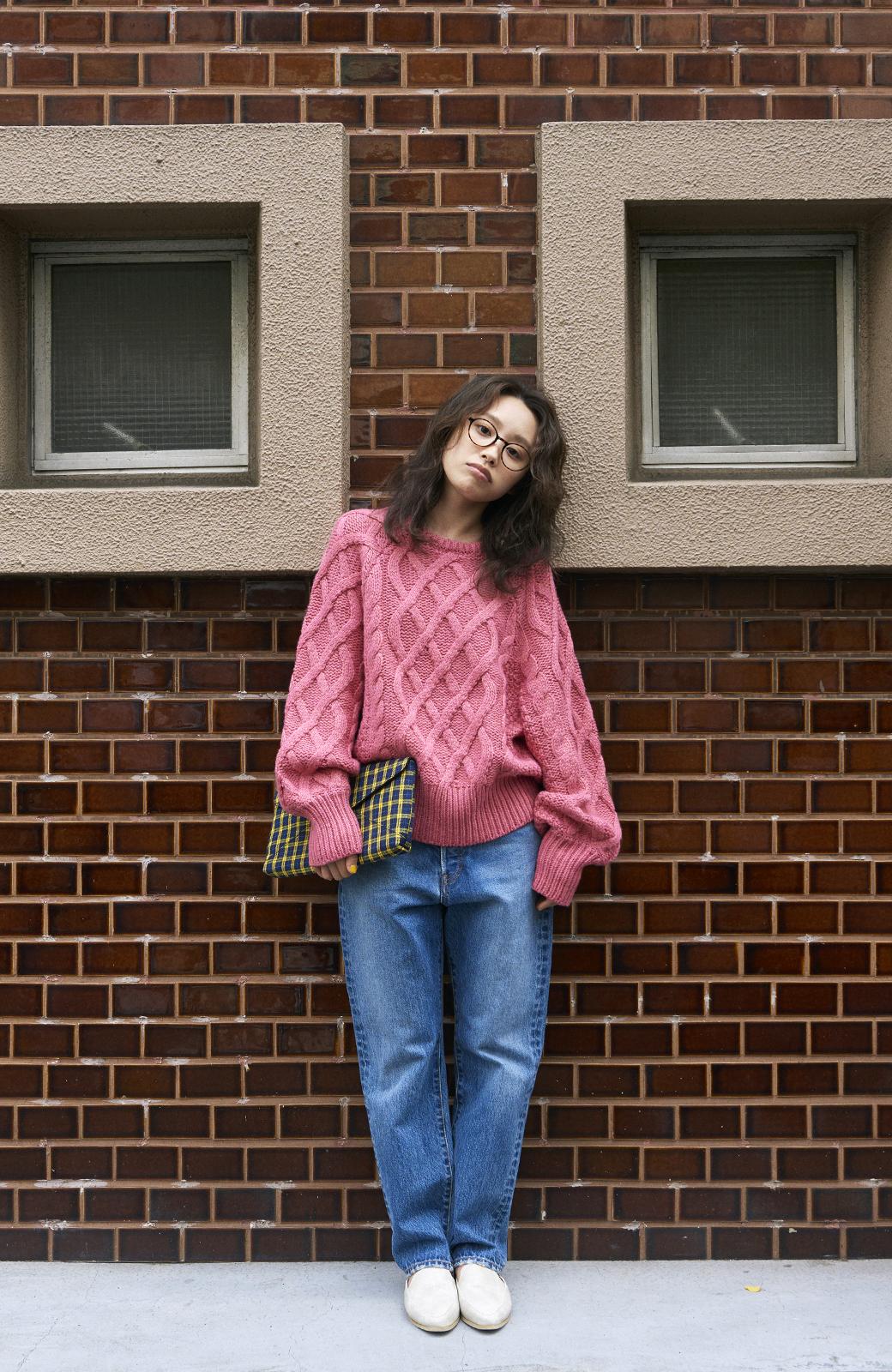 haco! <高橋愛さんコラボ>ラブ&ピースプロジェクト ミックスケーブル編みニット  <ピンク>の商品写真12