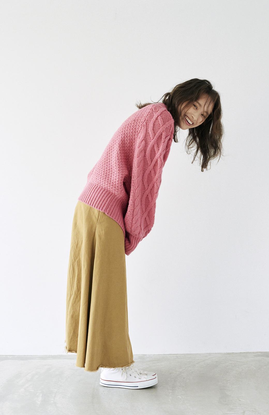 haco! <高橋愛さんコラボ>ラブ&ピースプロジェクト ミックスケーブル編みニット  <ピンク>の商品写真18
