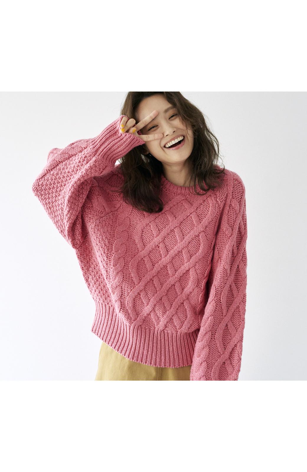 haco! <高橋愛さんコラボ>ラブ&ピースプロジェクト ミックスケーブル編みニット  <ピンク>の商品写真24