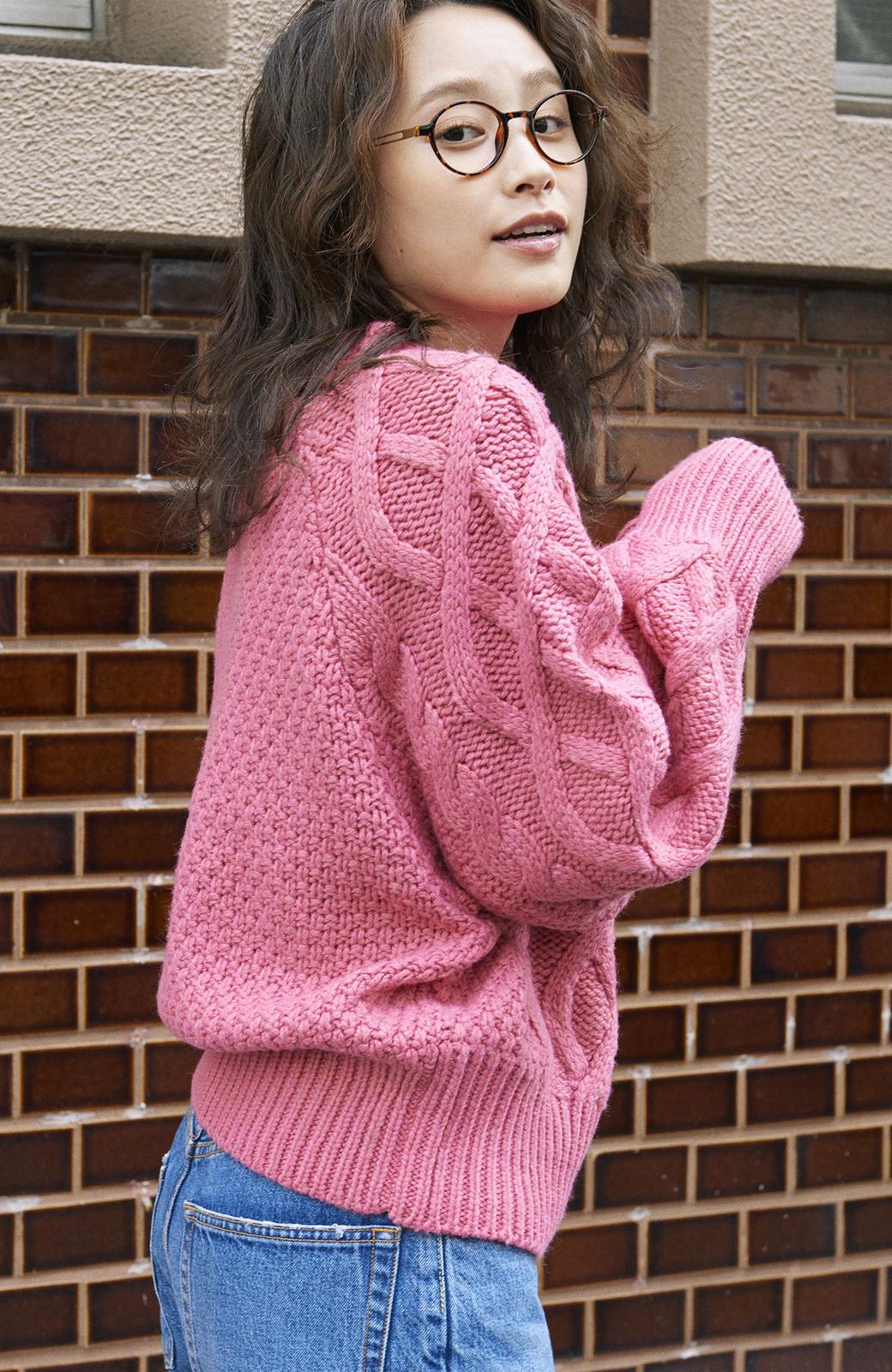 haco! <高橋愛さんコラボ>ラブ&ピースプロジェクト ミックスケーブル編みニット  <ピンク>の商品写真5