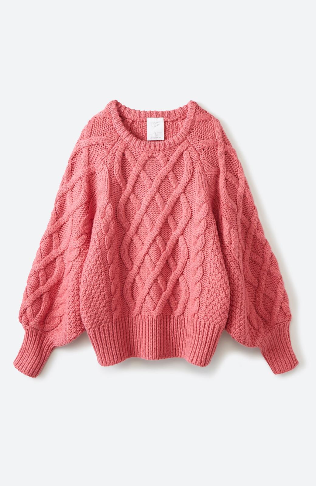 haco! <高橋愛さんコラボ>ラブ&ピースプロジェクト ミックスケーブル編みニット  <ピンク>の商品写真2