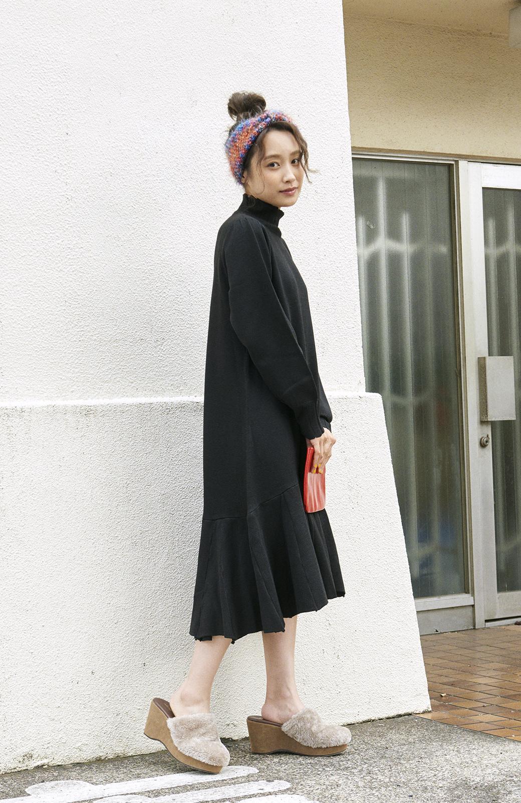 haco! <高橋愛さんコラボ>ラブ&ピースプロジェクト  フレアーヘムラインニットワンピース <ブラック>の商品写真15