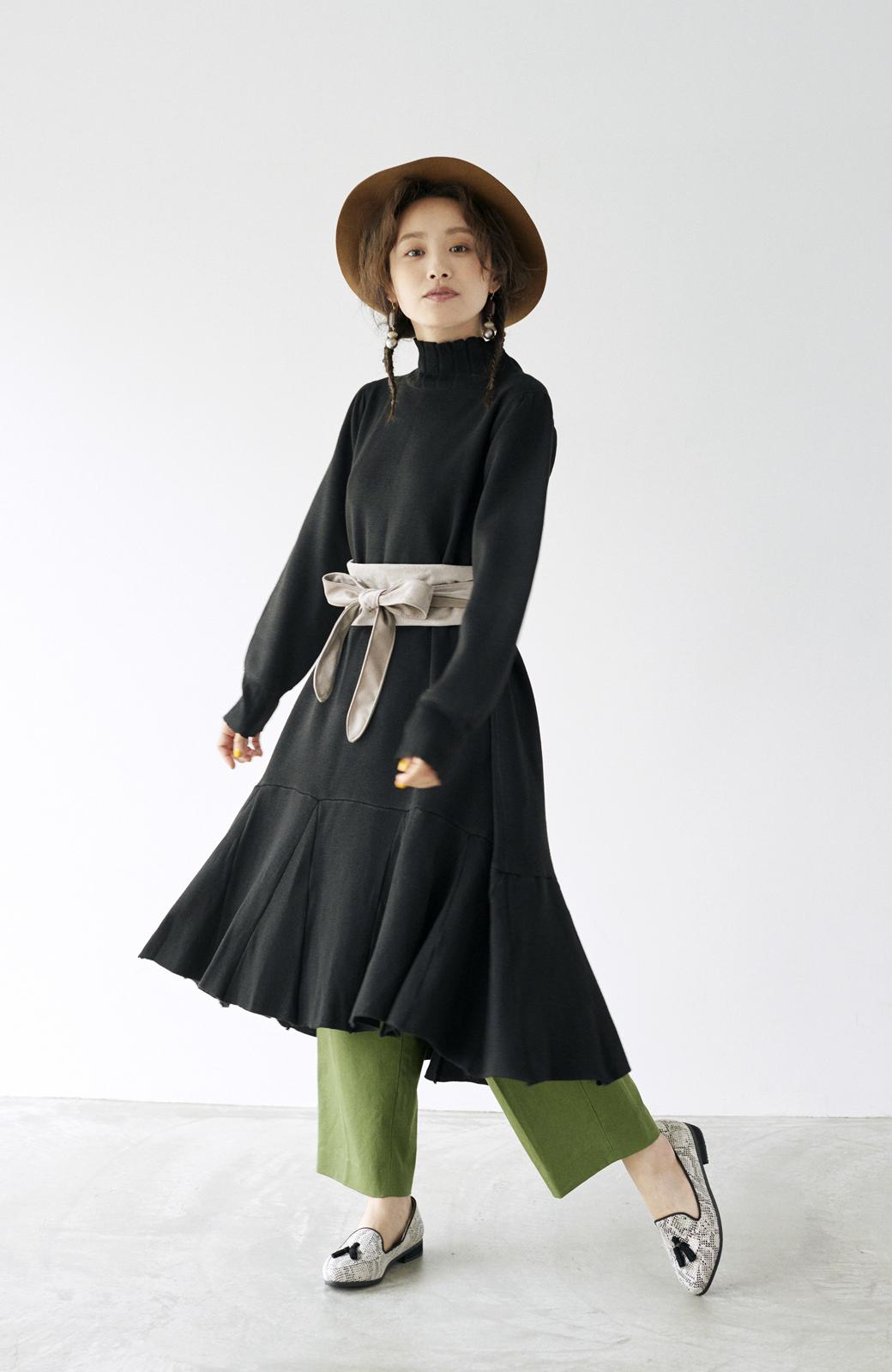 haco! <高橋愛さんコラボ>ラブ&ピースプロジェクト  フレアーヘムラインニットワンピース <ブラック>の商品写真16
