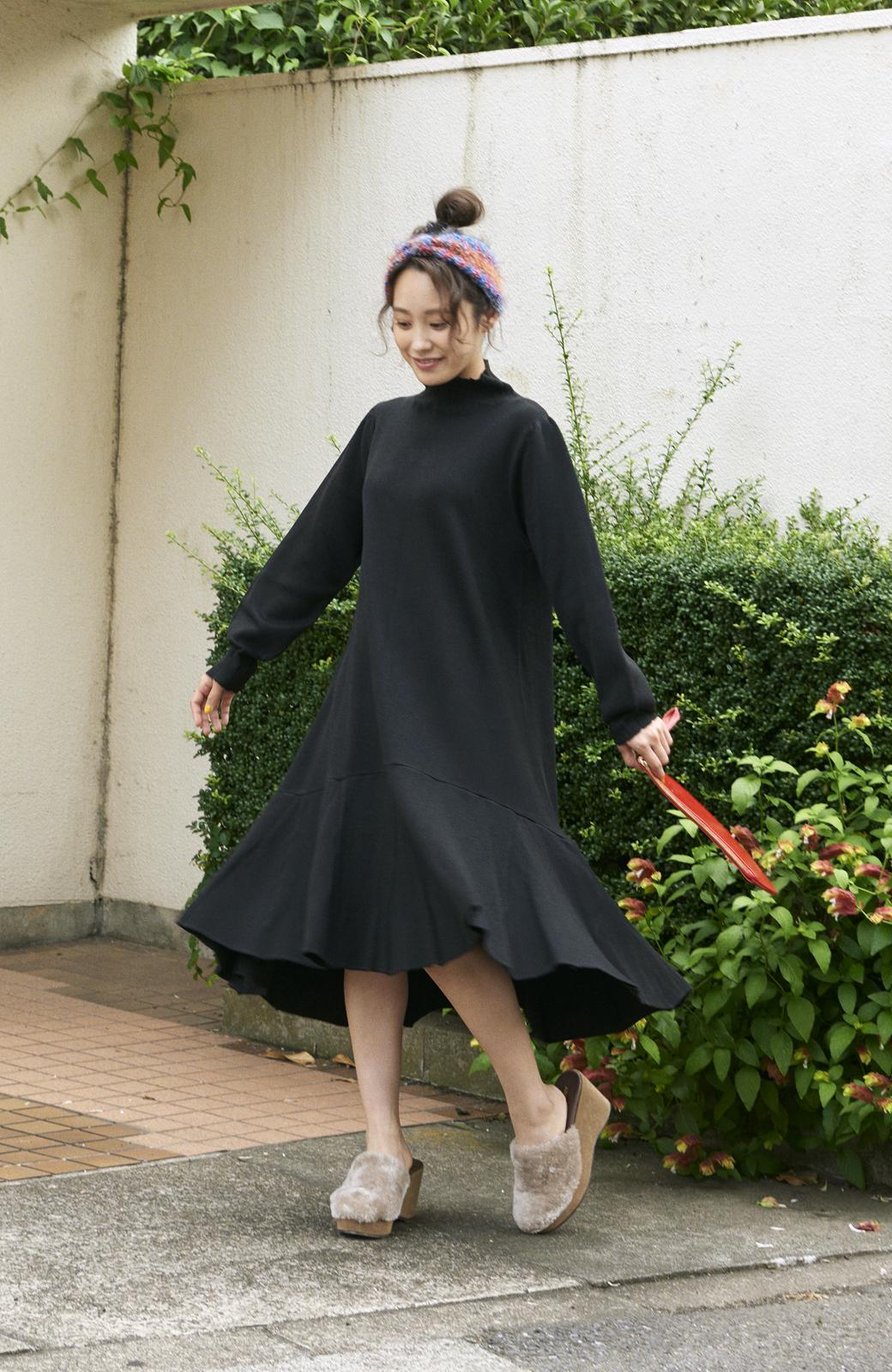 haco! <高橋愛さんコラボ>ラブ&ピースプロジェクト  フレアーヘムラインニットワンピース <ブラック>の商品写真7