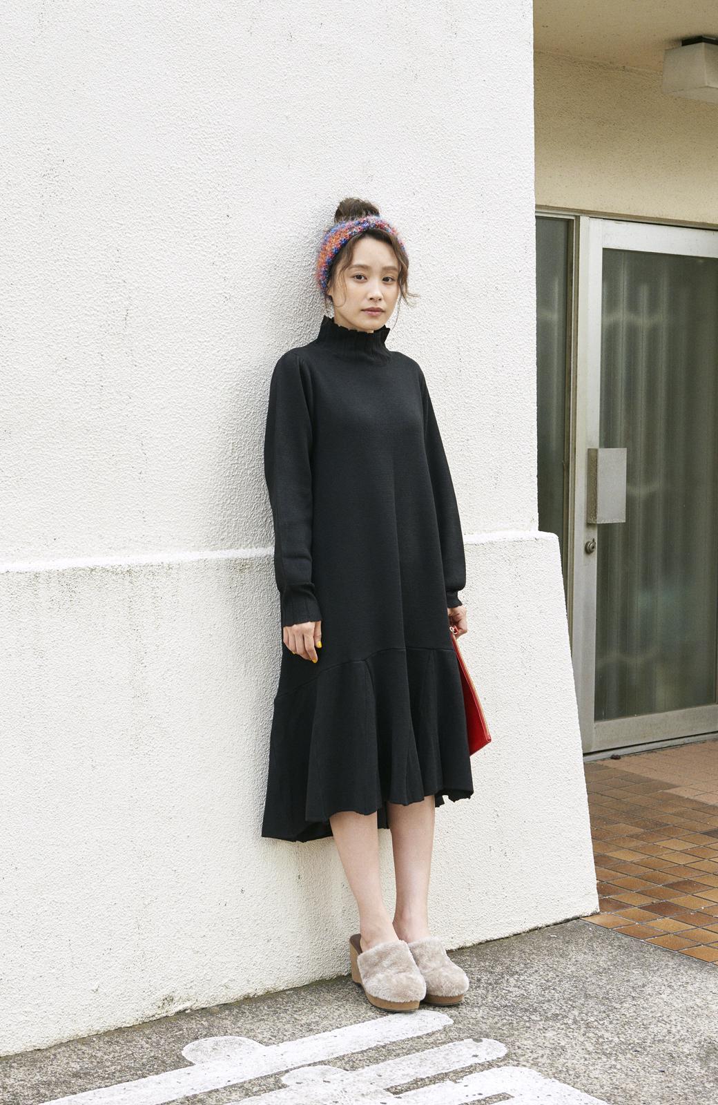 haco! <高橋愛さんコラボ>ラブ&ピースプロジェクト  フレアーヘムラインニットワンピース <ブラック>の商品写真8