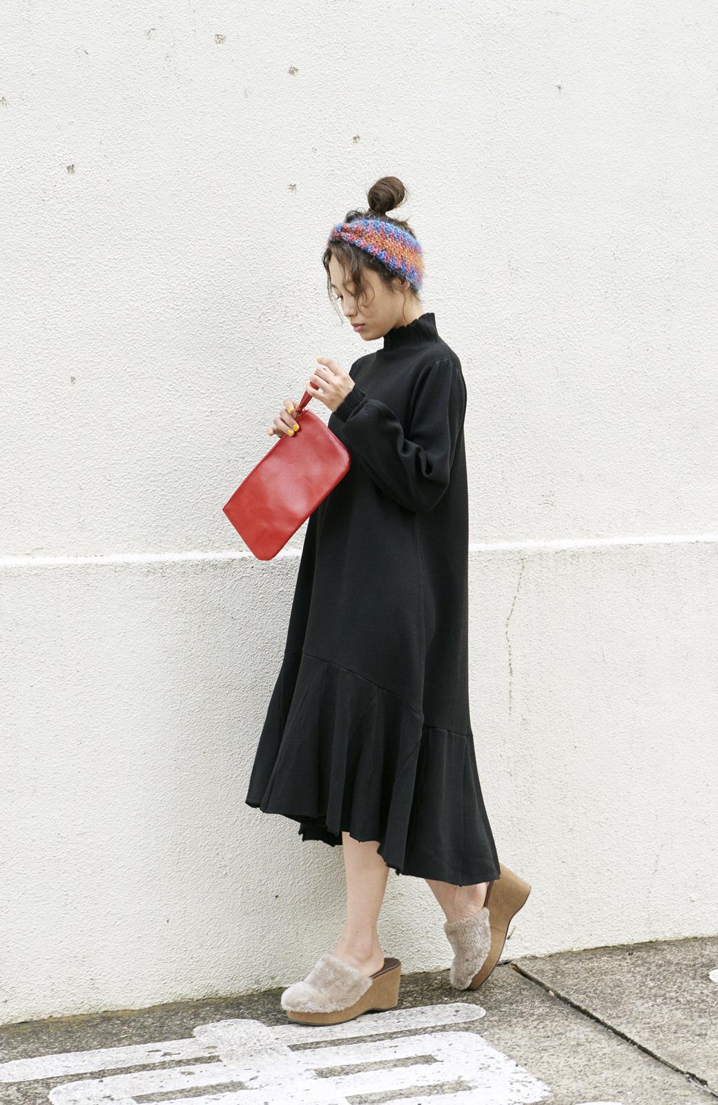 haco! <高橋愛さんコラボ>ラブ&ピースプロジェクト  フレアーヘムラインニットワンピース <ブラック>の商品写真9