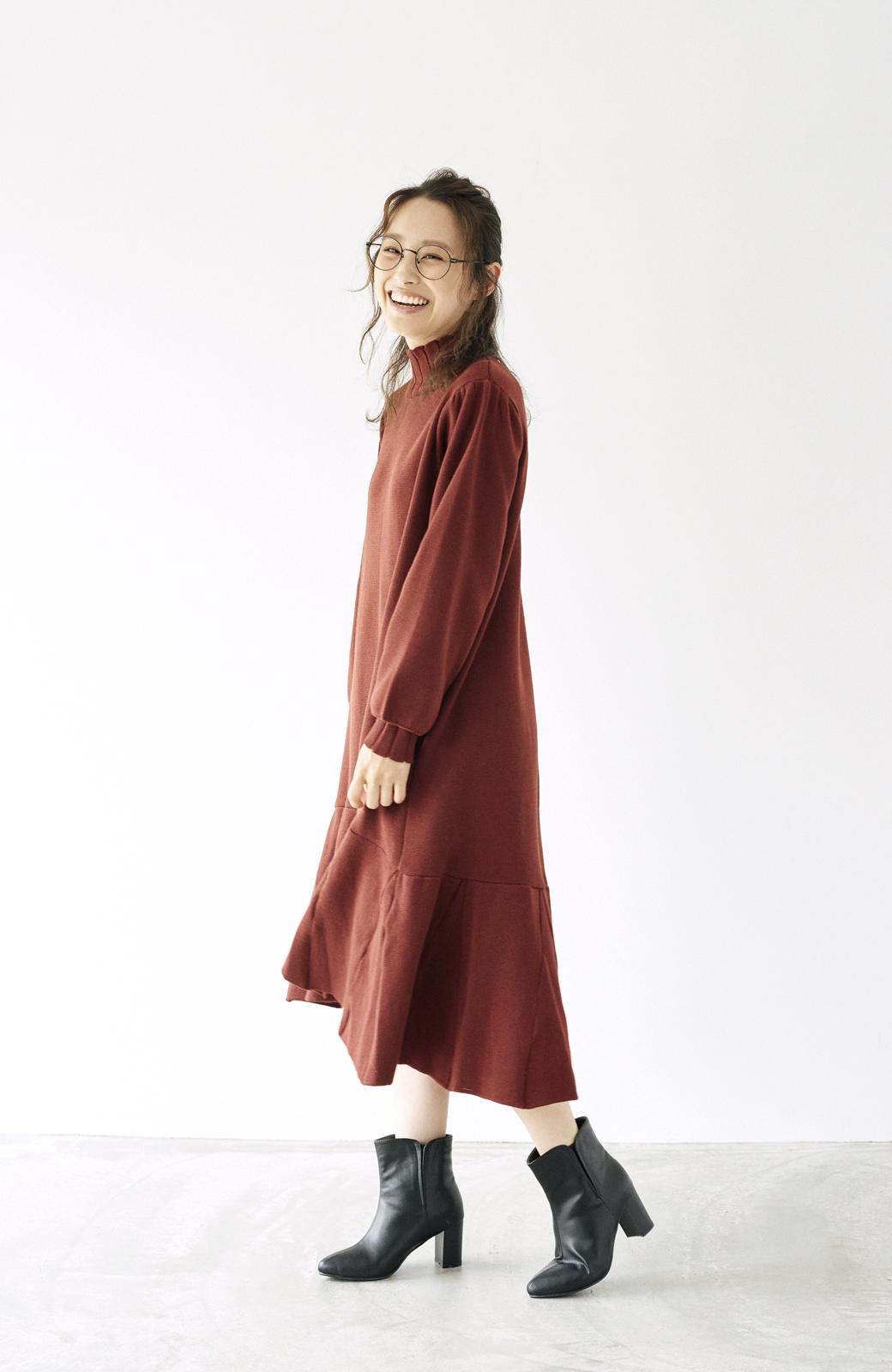 haco! <高橋愛さんコラボ>ラブ&ピースプロジェクト  フレアーヘムラインニットワンピース <ブラウン>の商品写真5