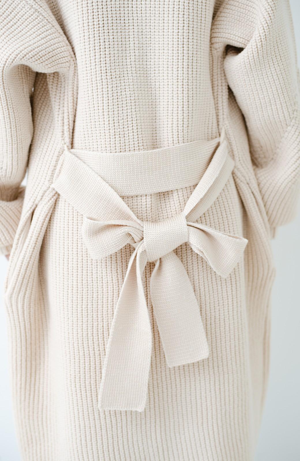 haco! さっと羽織るのにちょうどいい ぷっくり袖のあぜ編みニットガウン <アイボリー>の商品写真5