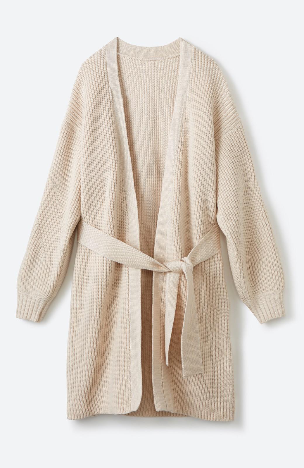 haco! さっと羽織るのにちょうどいい ぷっくり袖のあぜ編みニットガウン <アイボリー>の商品写真1