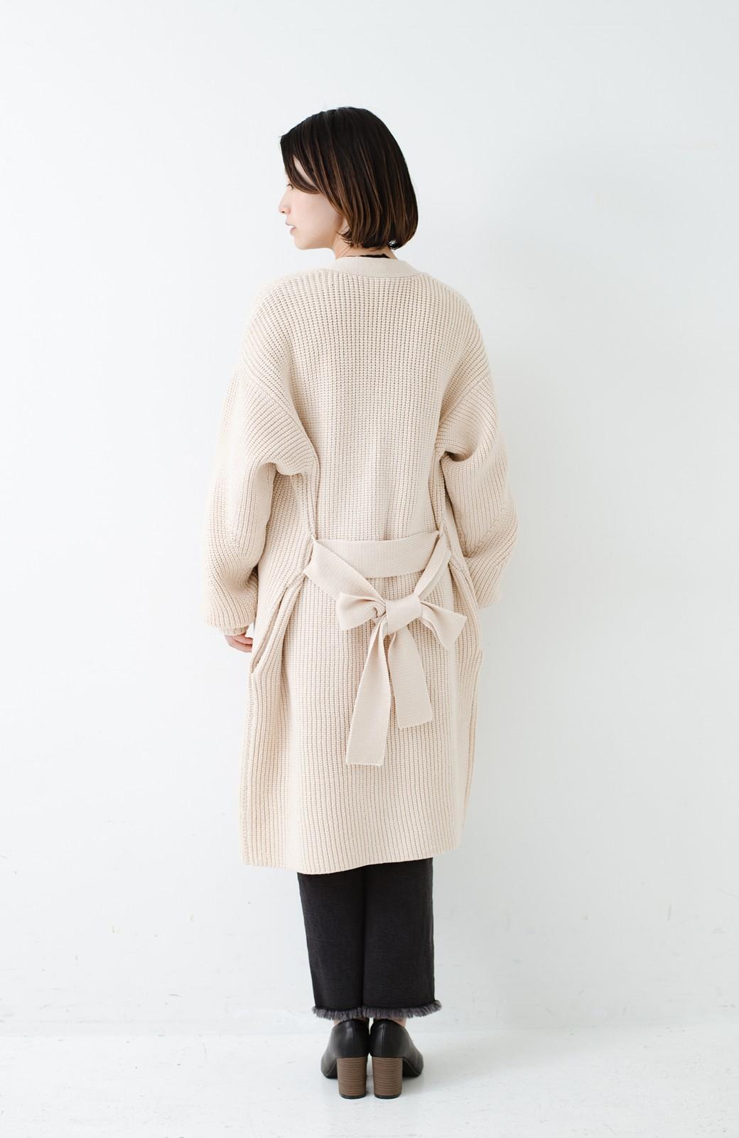 haco! さっと羽織るのにちょうどいい ぷっくり袖のあぜ編みニットガウン <アイボリー>の商品写真18