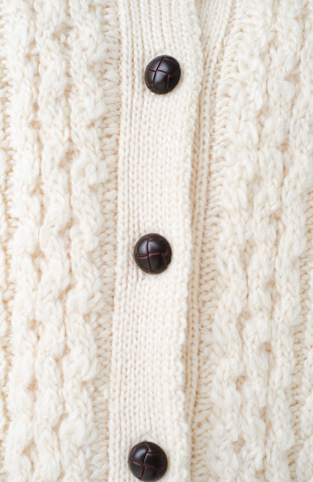 haco! 古着屋さんで見つけたようなもっふりケーブル編みカーディガン <オフホワイト>の商品写真5