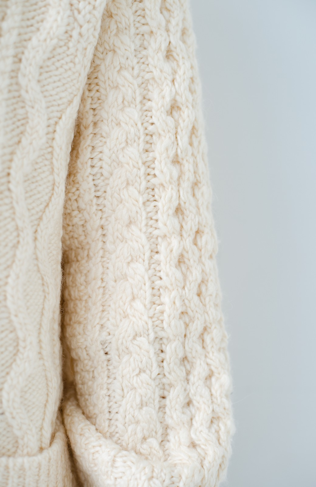 haco! 古着屋さんで見つけたようなもっふりケーブル編みカーディガン <オフホワイト>の商品写真6