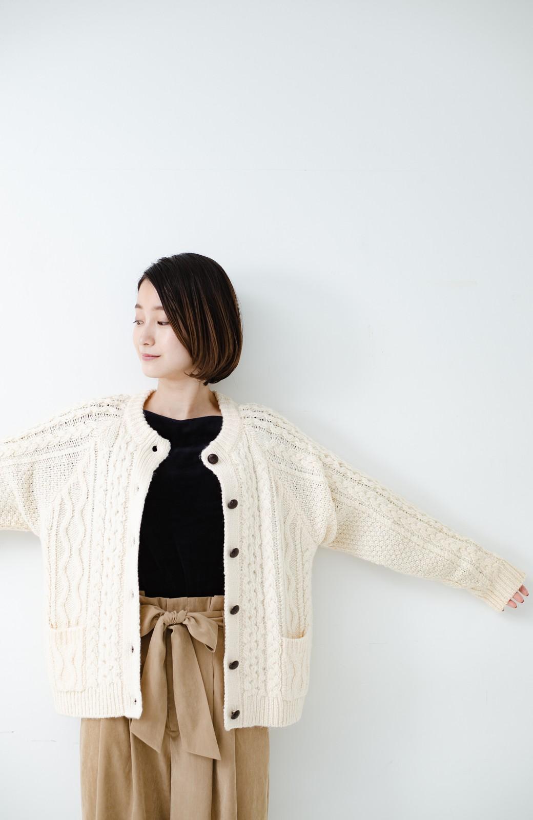 haco! 古着屋さんで見つけたようなもっふりケーブル編みカーディガン <オフホワイト>の商品写真20