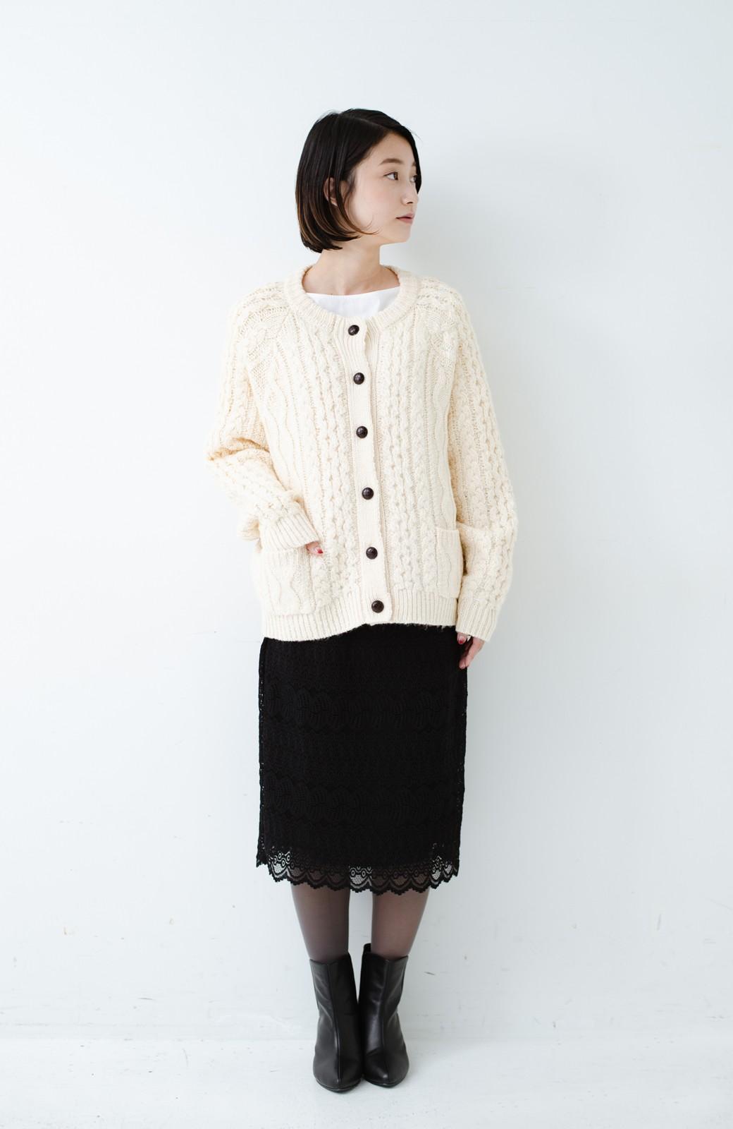 haco! 古着屋さんで見つけたようなもっふりケーブル編みカーディガン <オフホワイト>の商品写真10
