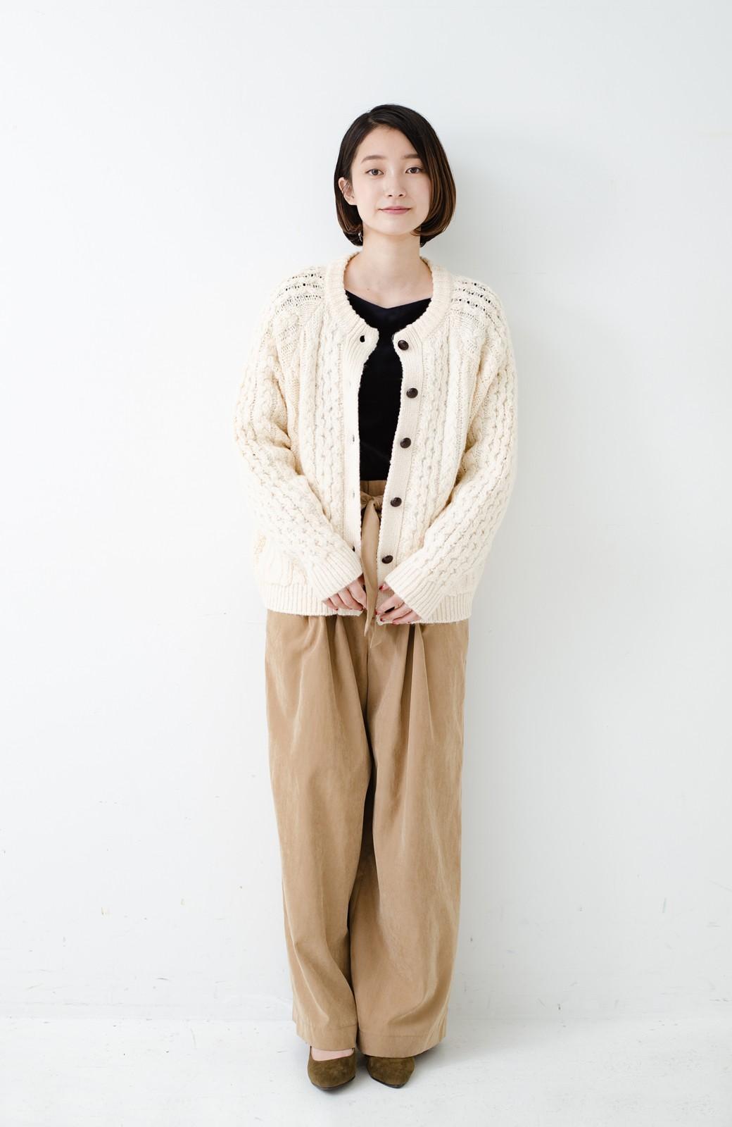 haco! 古着屋さんで見つけたようなもっふりケーブル編みカーディガン <オフホワイト>の商品写真12
