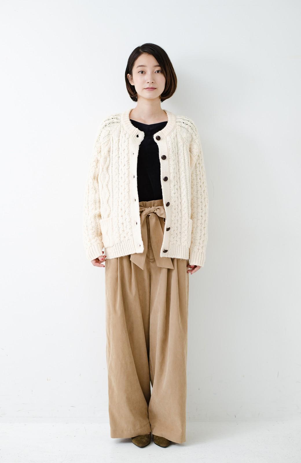 haco! 古着屋さんで見つけたようなもっふりケーブル編みカーディガン <オフホワイト>の商品写真13
