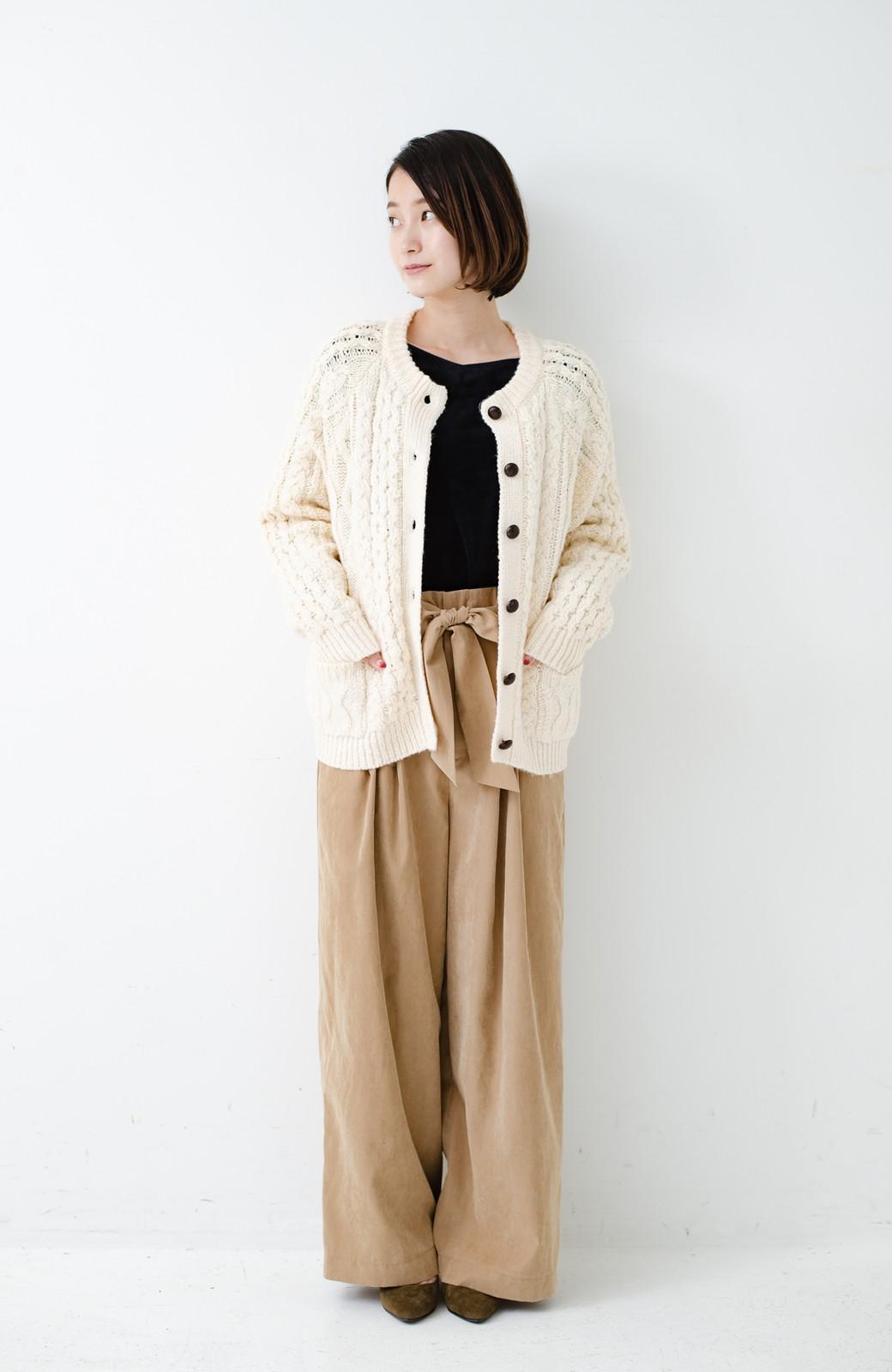 haco! 古着屋さんで見つけたようなもっふりケーブル編みカーディガン <オフホワイト>の商品写真14