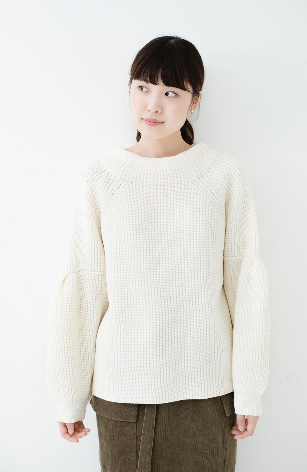 haco! 女子度があがる あぜ編みふわスリーブニット <オフホワイト>の商品写真6