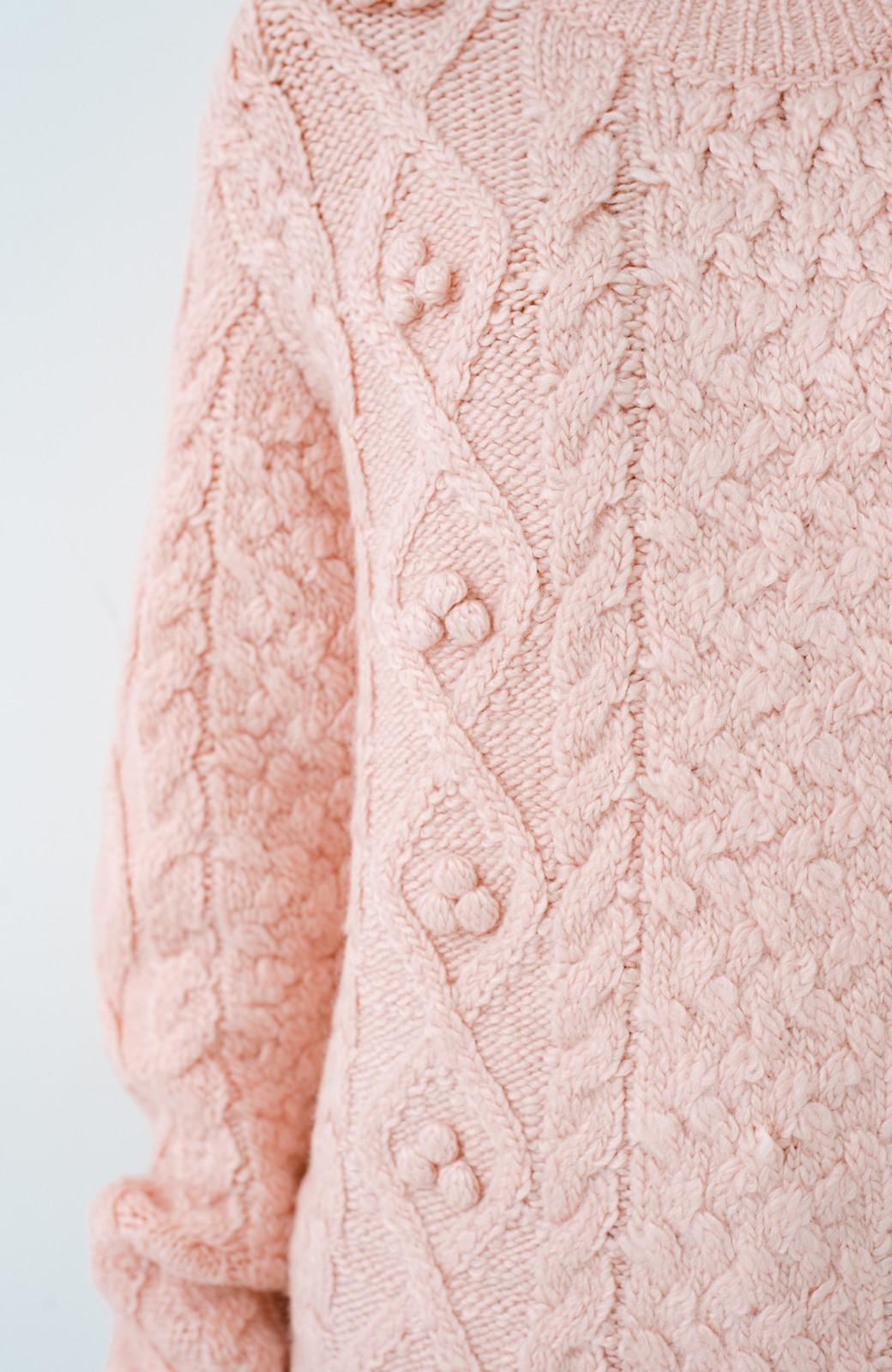 haco! 古着屋さんで見つけたようなもっふりケーブル編みセーター <ピンク>の商品写真3