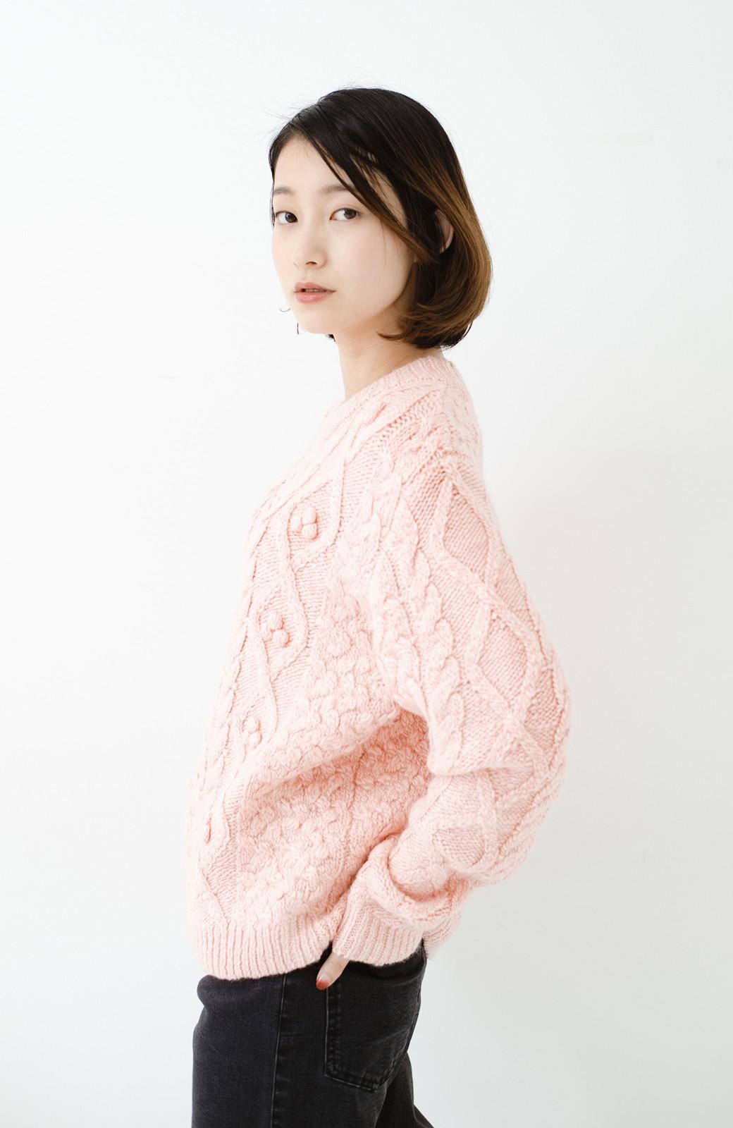 haco! 古着屋さんで見つけたようなもっふりケーブル編みセーター <ピンク>の商品写真15