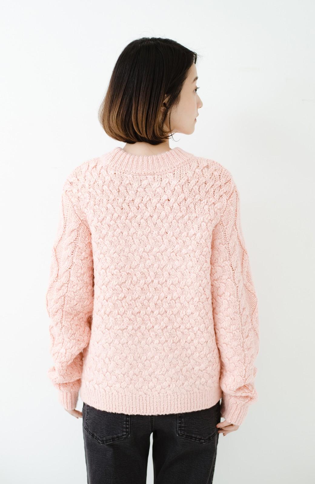 haco! 古着屋さんで見つけたようなもっふりケーブル編みセーター <ピンク>の商品写真16