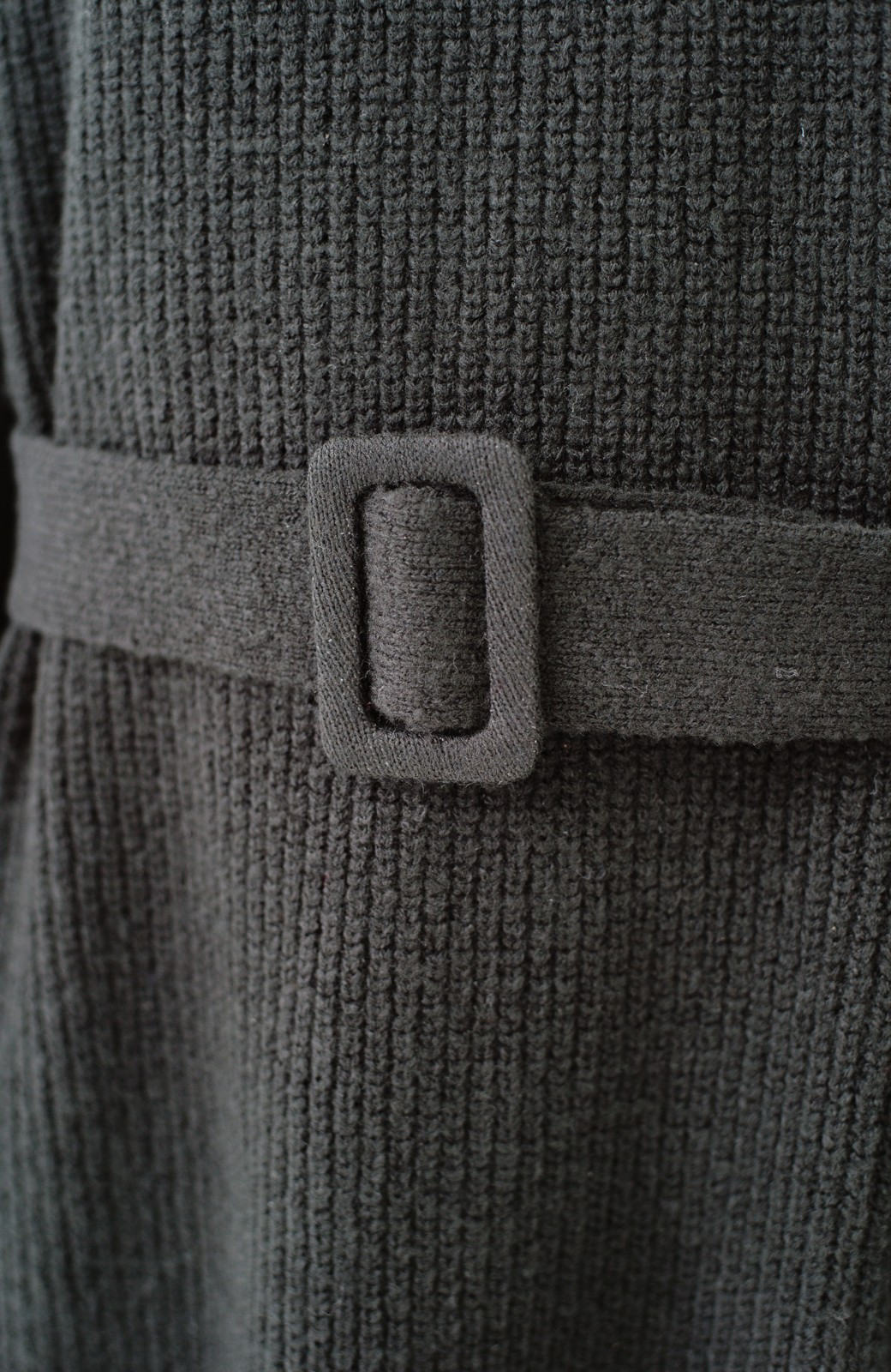 haco! 今っぽ女っぽ ベルト付きゆるタートルニットワンピ <ブラック>の商品写真4