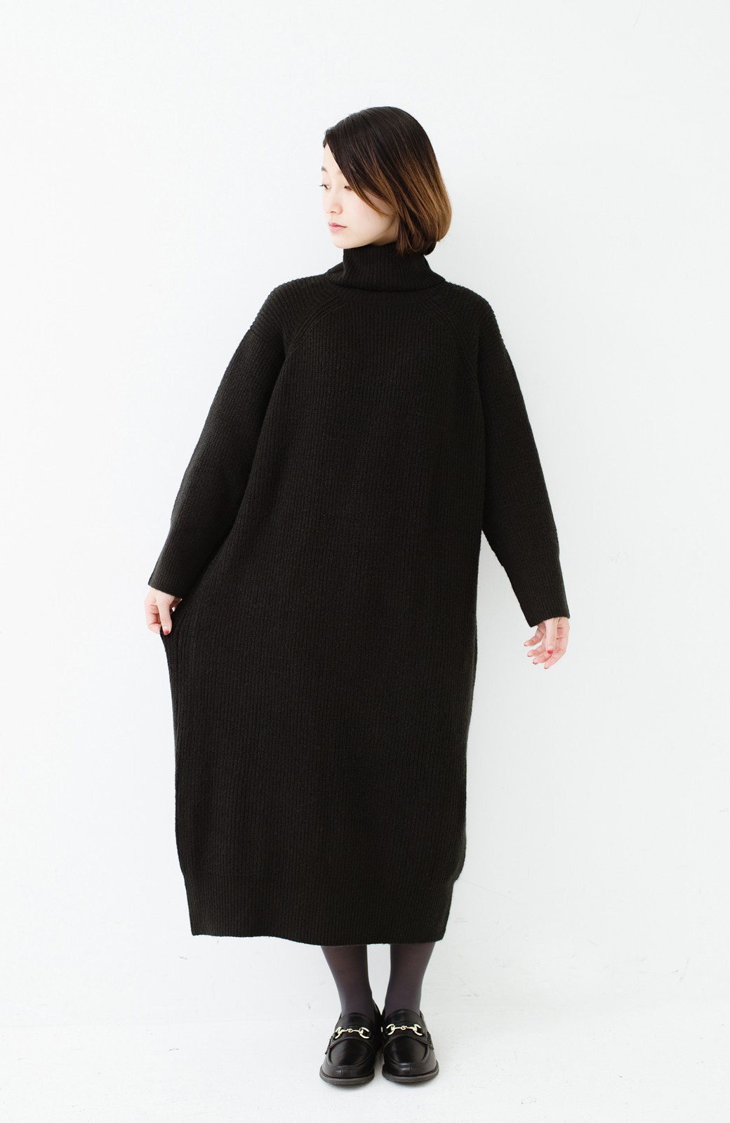 haco! 今っぽ女っぽ ベルト付きゆるタートルニットワンピ <ブラック>の商品写真8