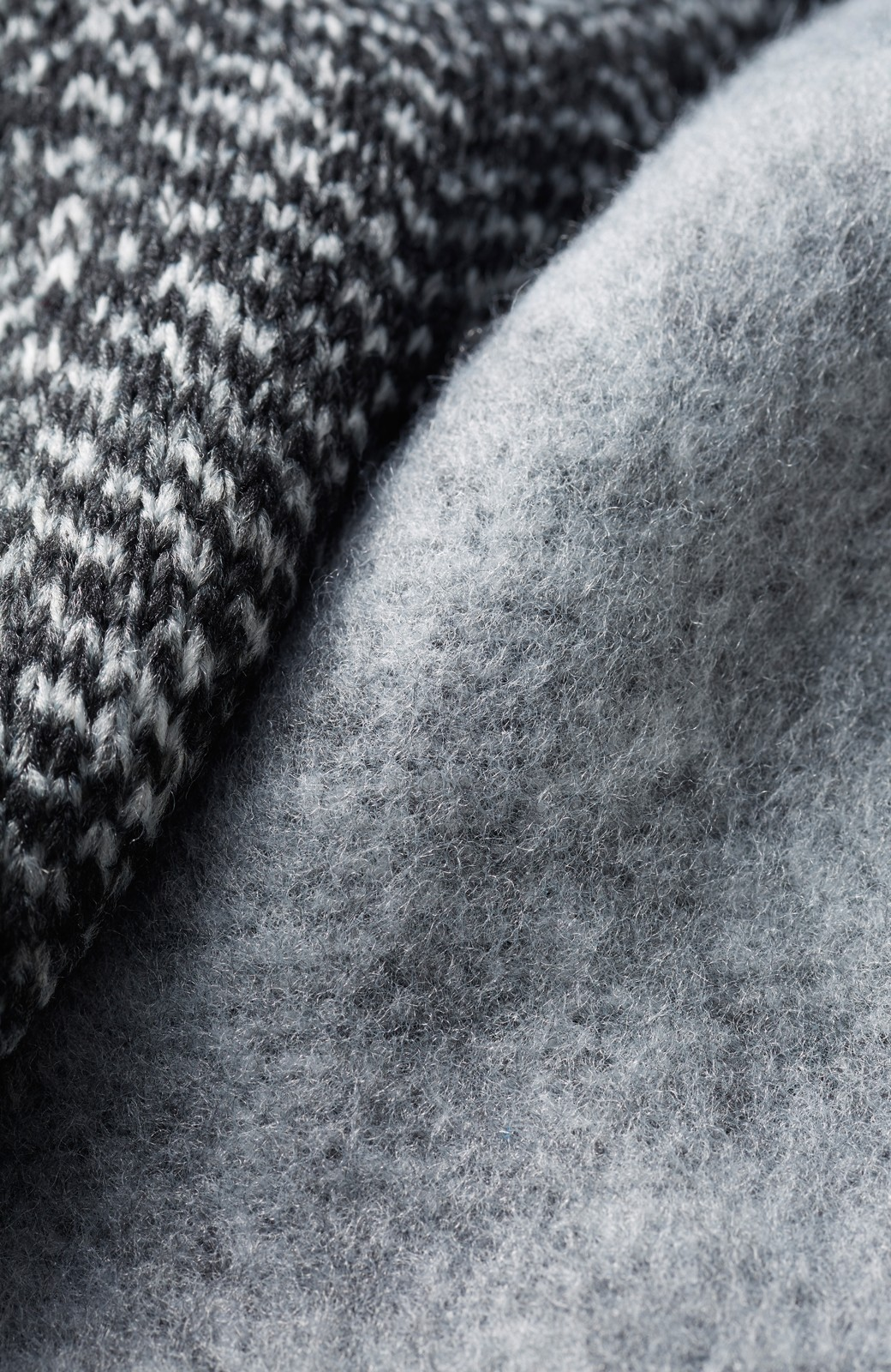 haco! きれいに見せつつ実は暖かい ヘリンボーンプリントコーディガン <ホワイト×ブラック>の商品写真4