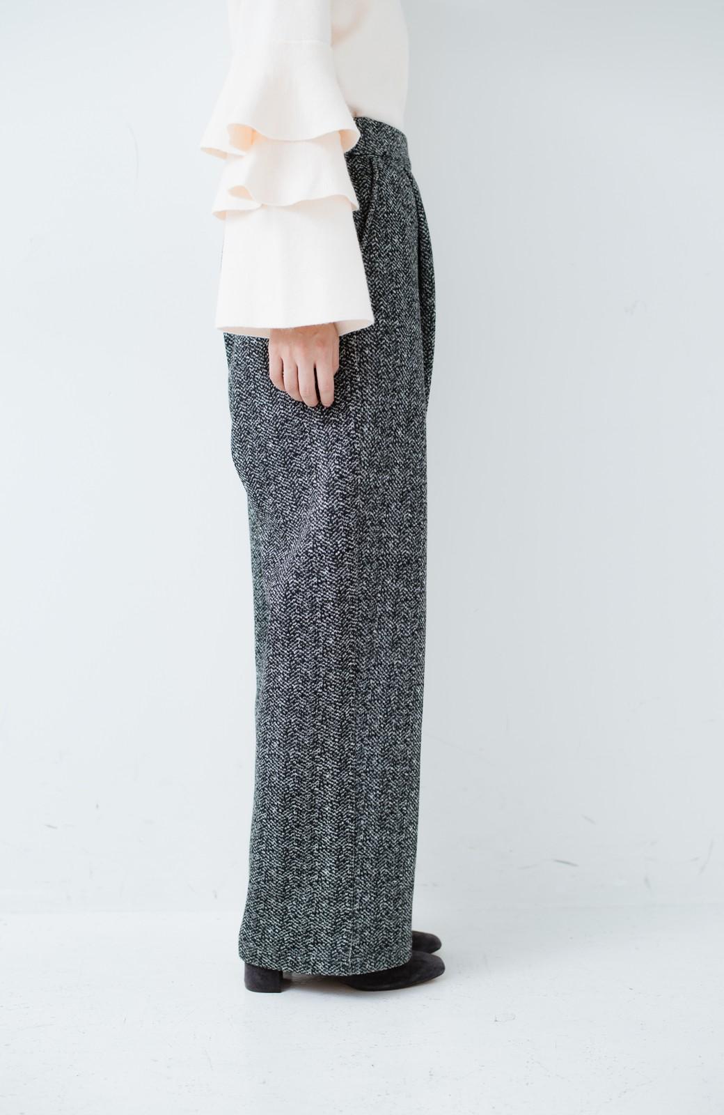 haco! きれいに見せつつ実は暖かい ヘリンボーンプリントワイドパンツ <ホワイト×ブラック>の商品写真6