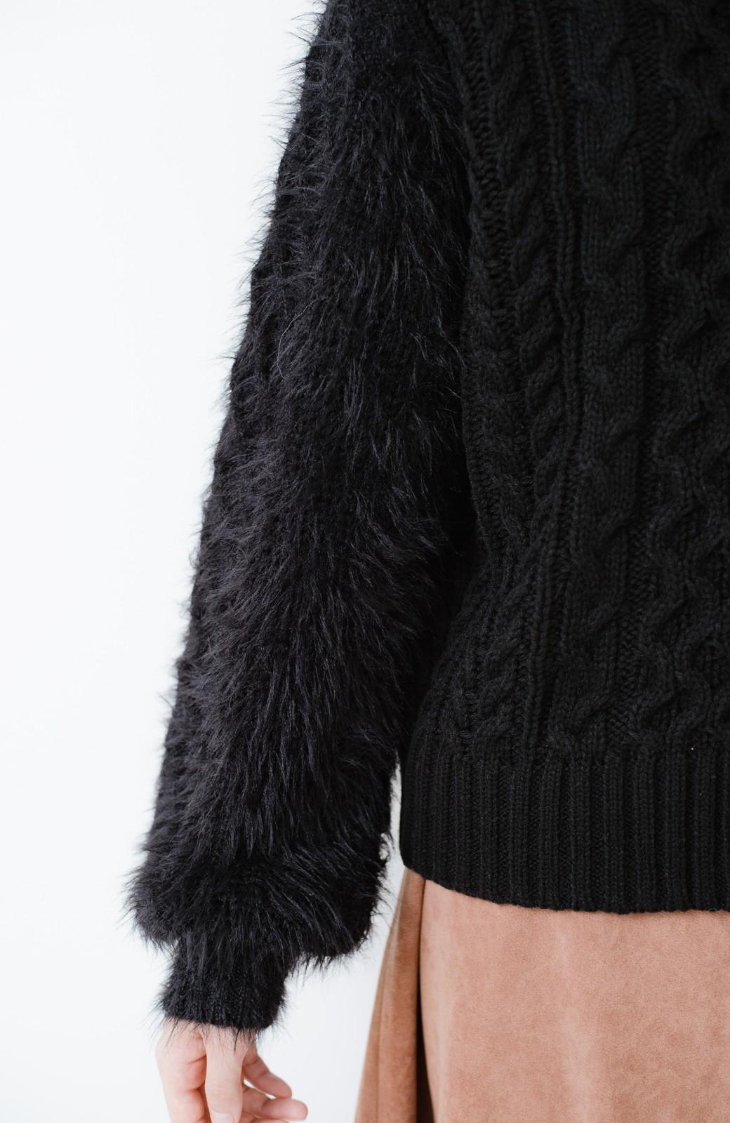 haco! ケーブル編みの袖フェザーヤーンニットトップス <ブラック>の商品写真4