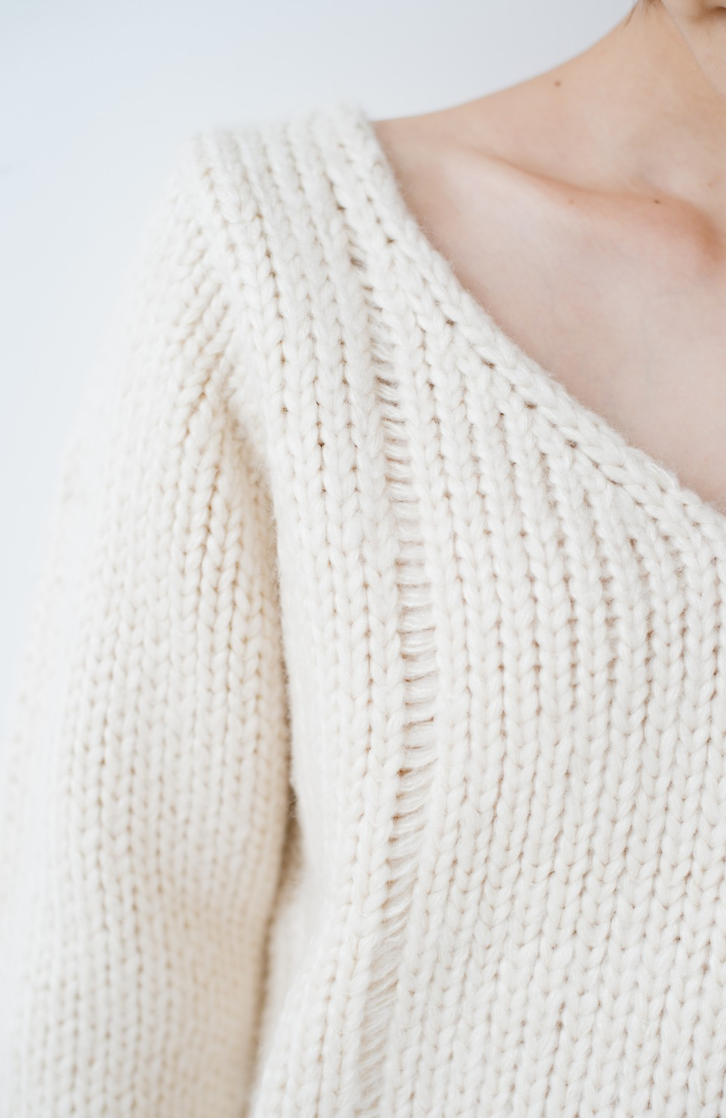 haco! さりげなく女っぽい 手編み風ざっくりニット <アイボリー>の商品写真2