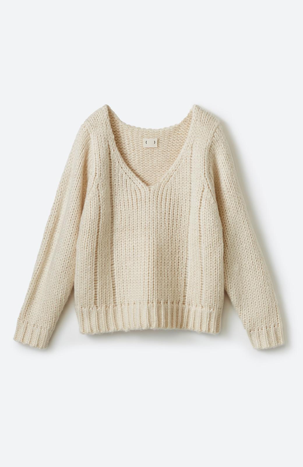 haco! さりげなく女っぽい 手編み風ざっくりニット <アイボリー>の商品写真1